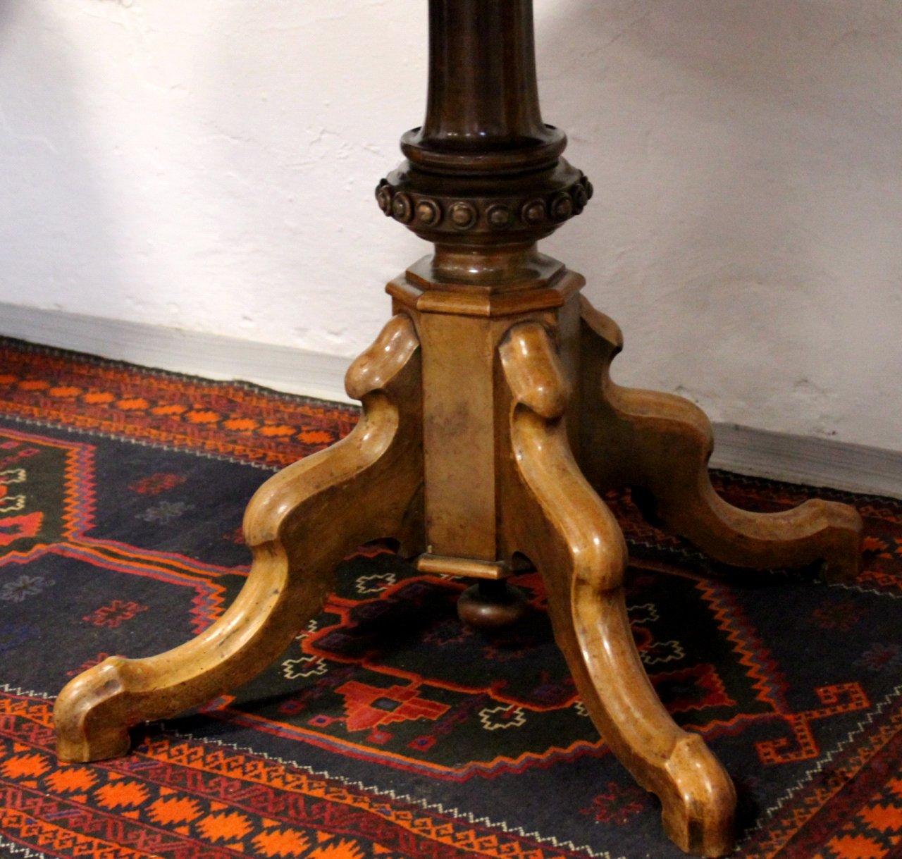 Ovaler Gründerzeit Tisch-3