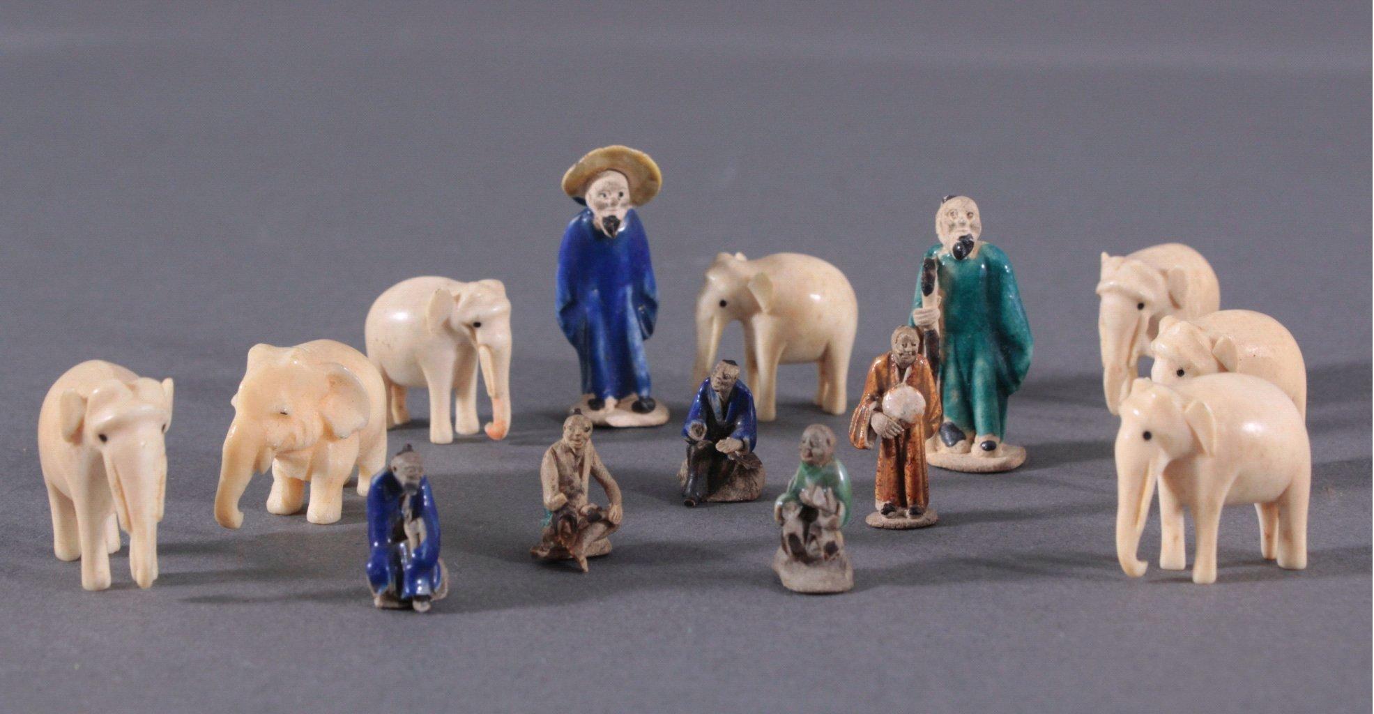 Vierzehn Asiatische Miniatur-Figurenplastiken