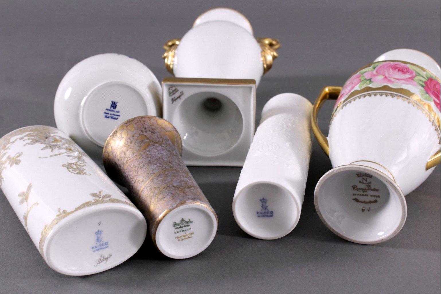 Sechs unterschiedliche Porzellanvasen-1