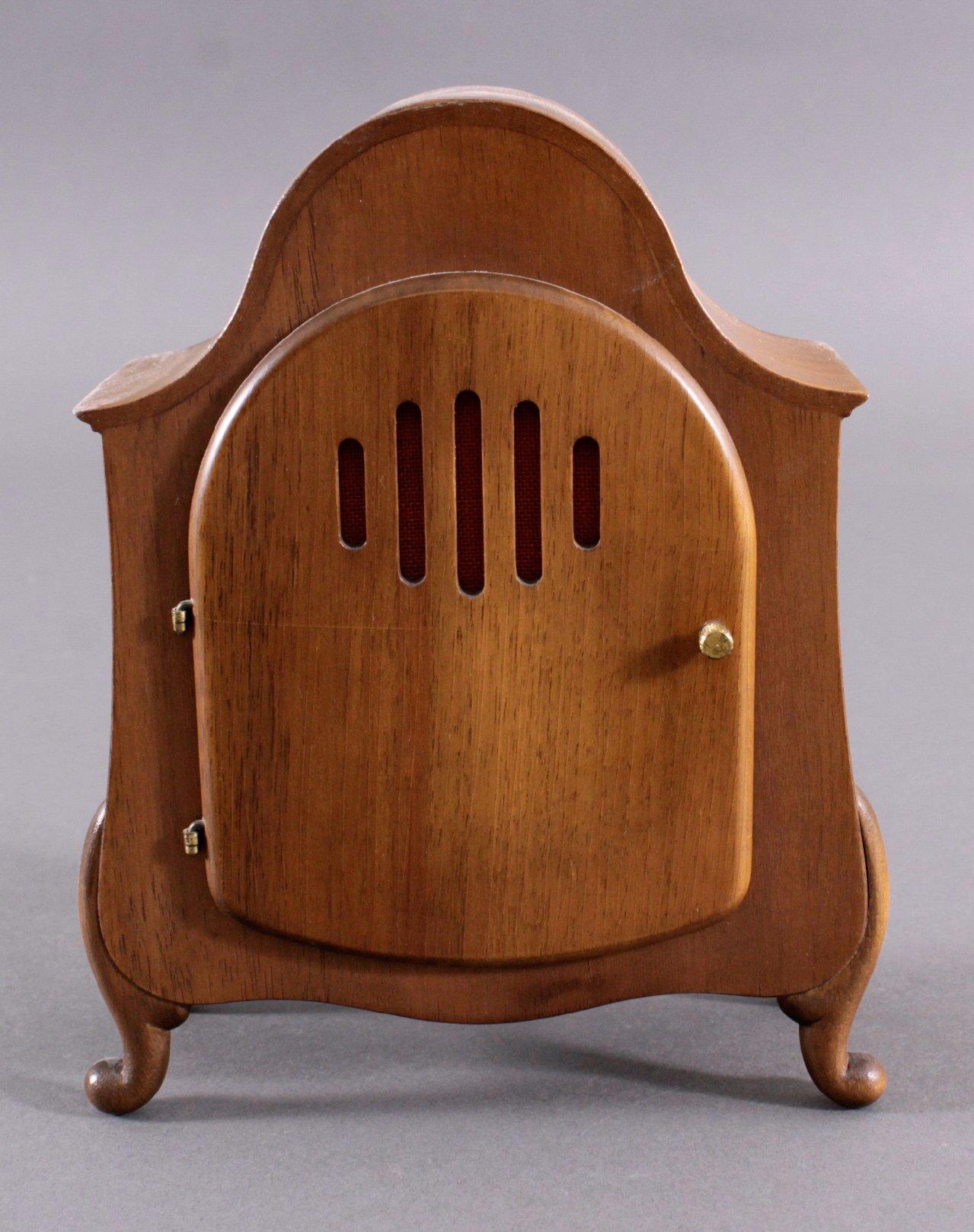 junghans tischuhr aus den 70er 80er jahren badisches auktionshaus. Black Bedroom Furniture Sets. Home Design Ideas