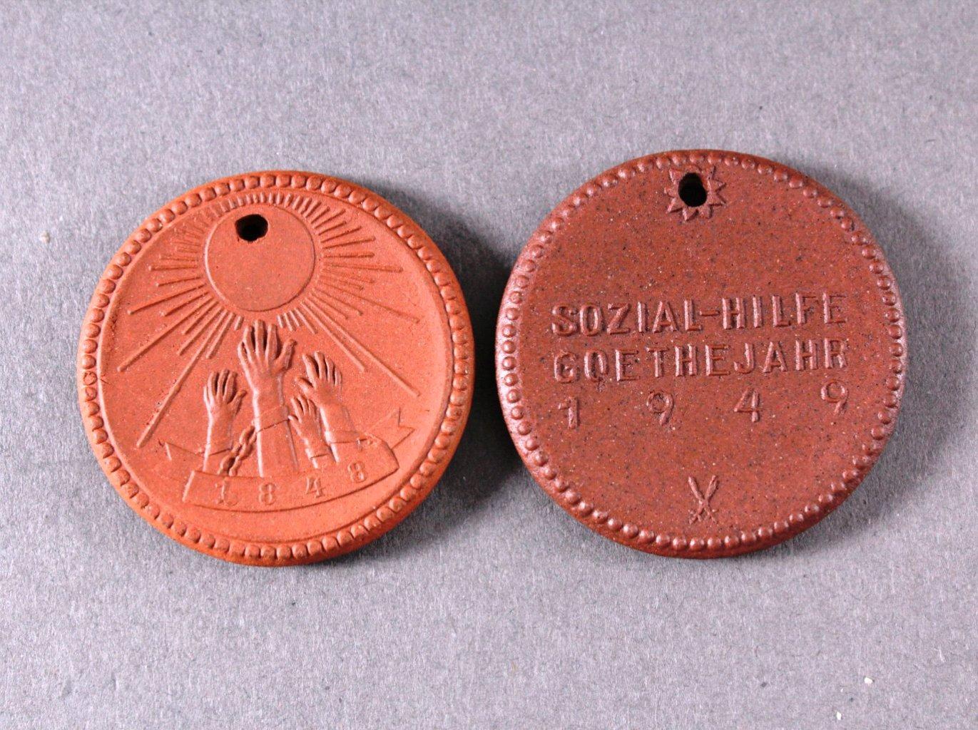 2 Meissen Medaillen Berlin-Ost 1948/1949