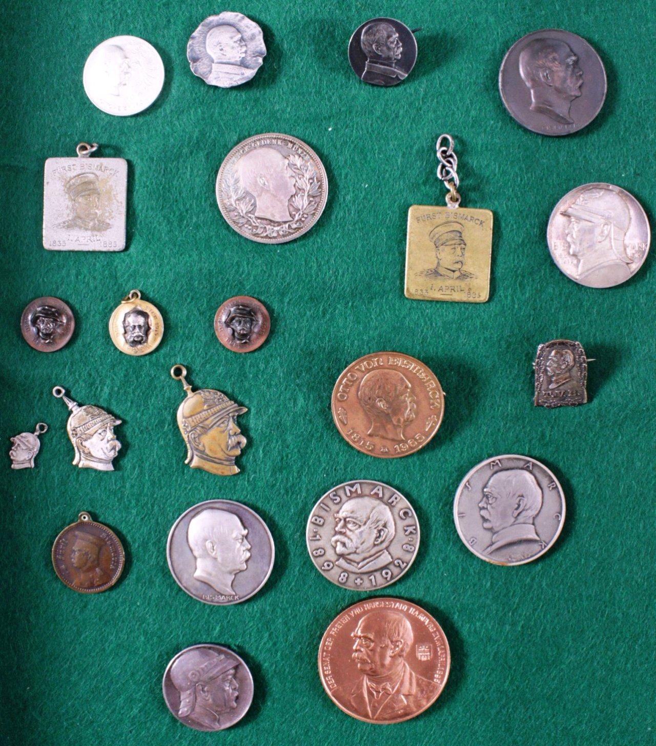 Konvolut Abzeichen und Medaillen, Thema von Bismarck