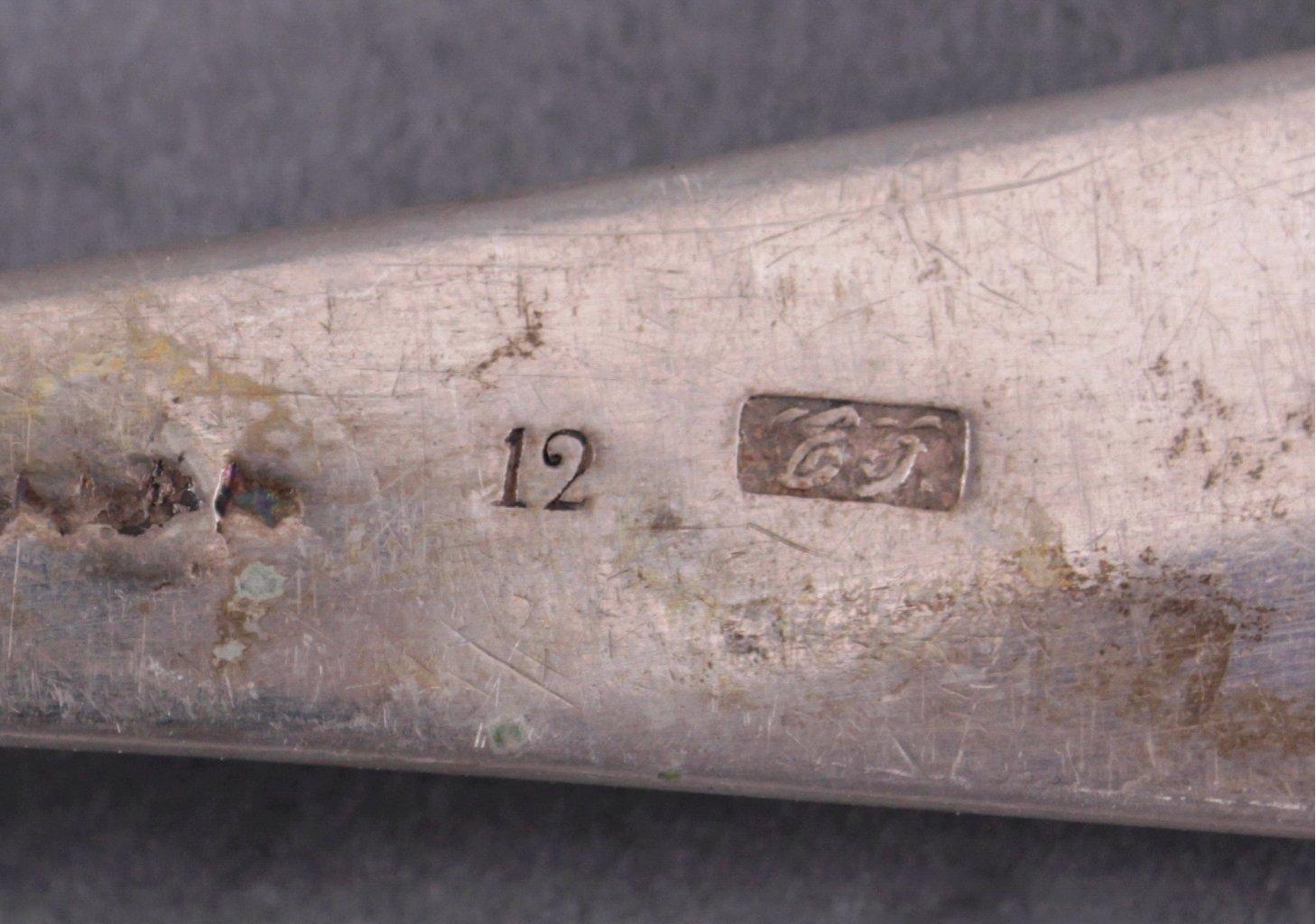 Silberne Vorlegelöffel und 2 Fleischgabeln-1