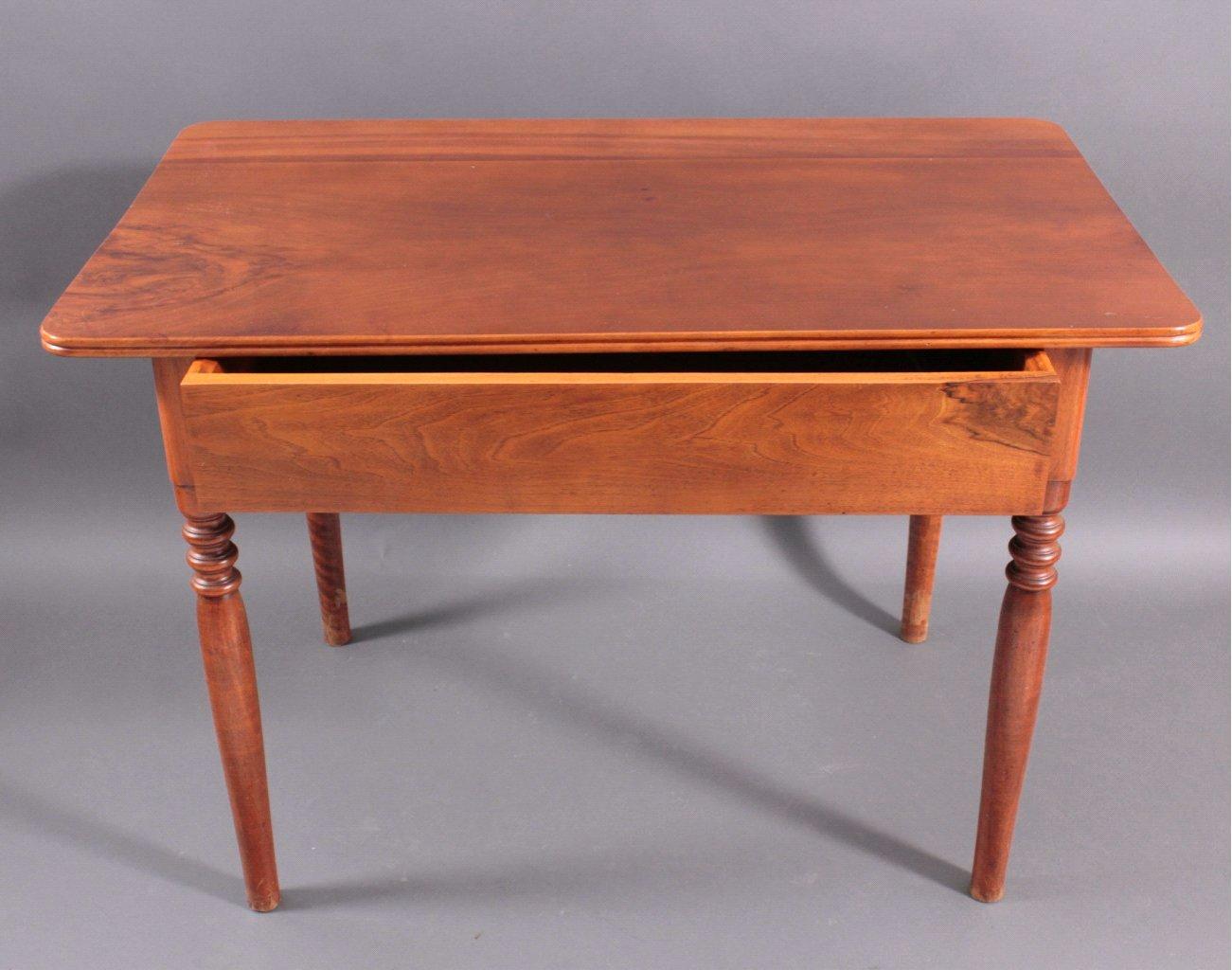 Gründerzeit Tisch
