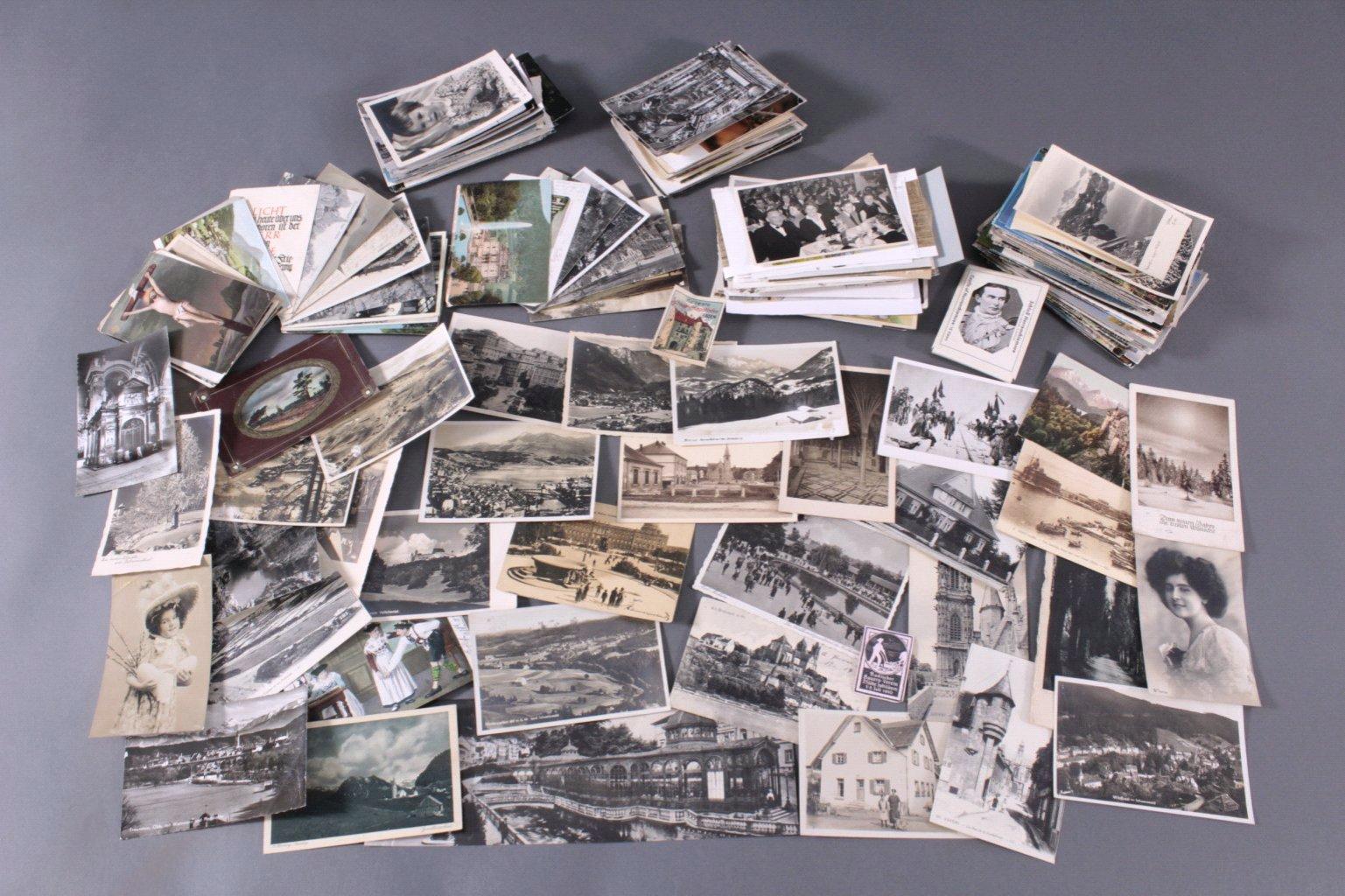Über 150 Ansichtskarten