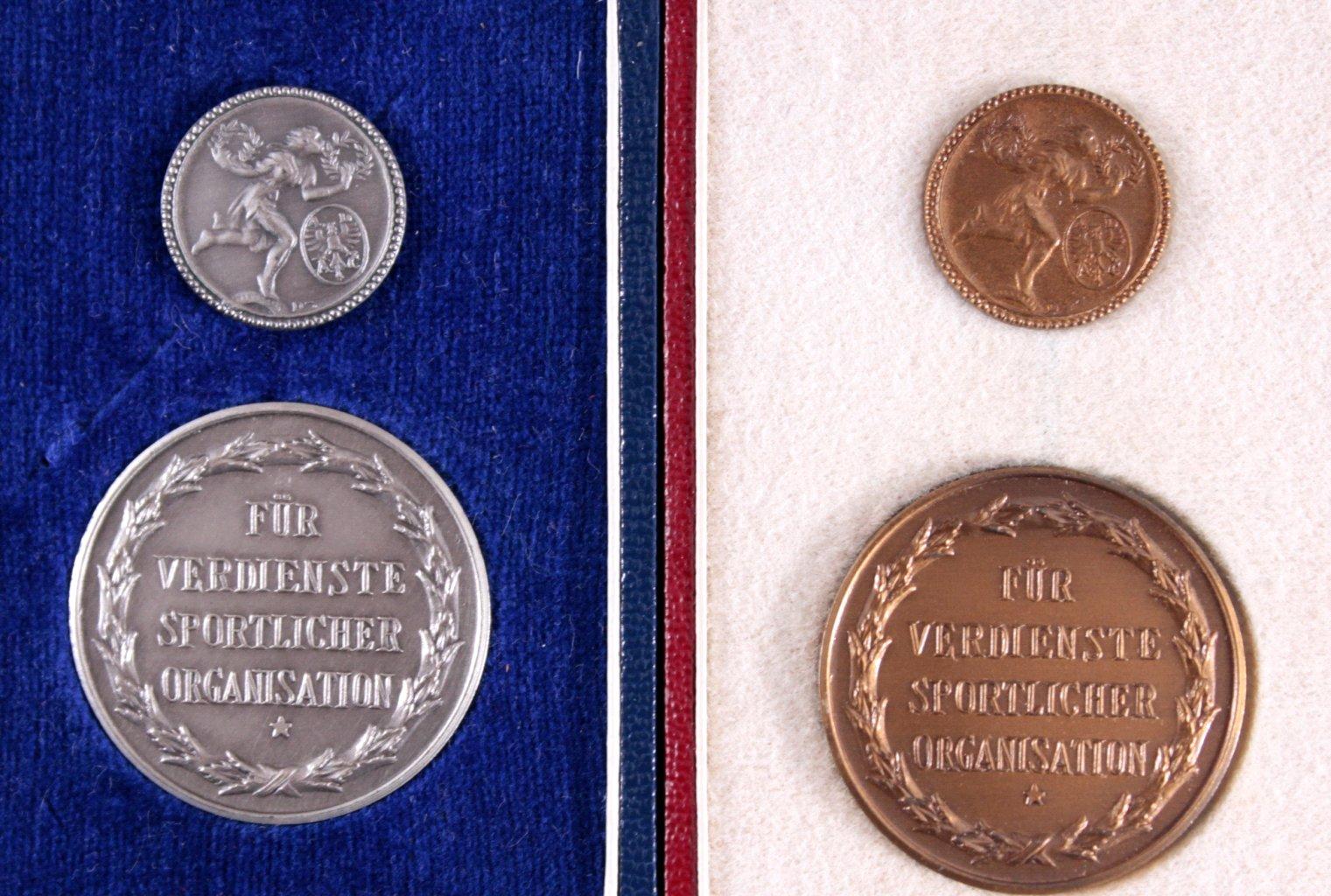 ADAC Verdienstmedaille und Ehrennadel im Etui-1