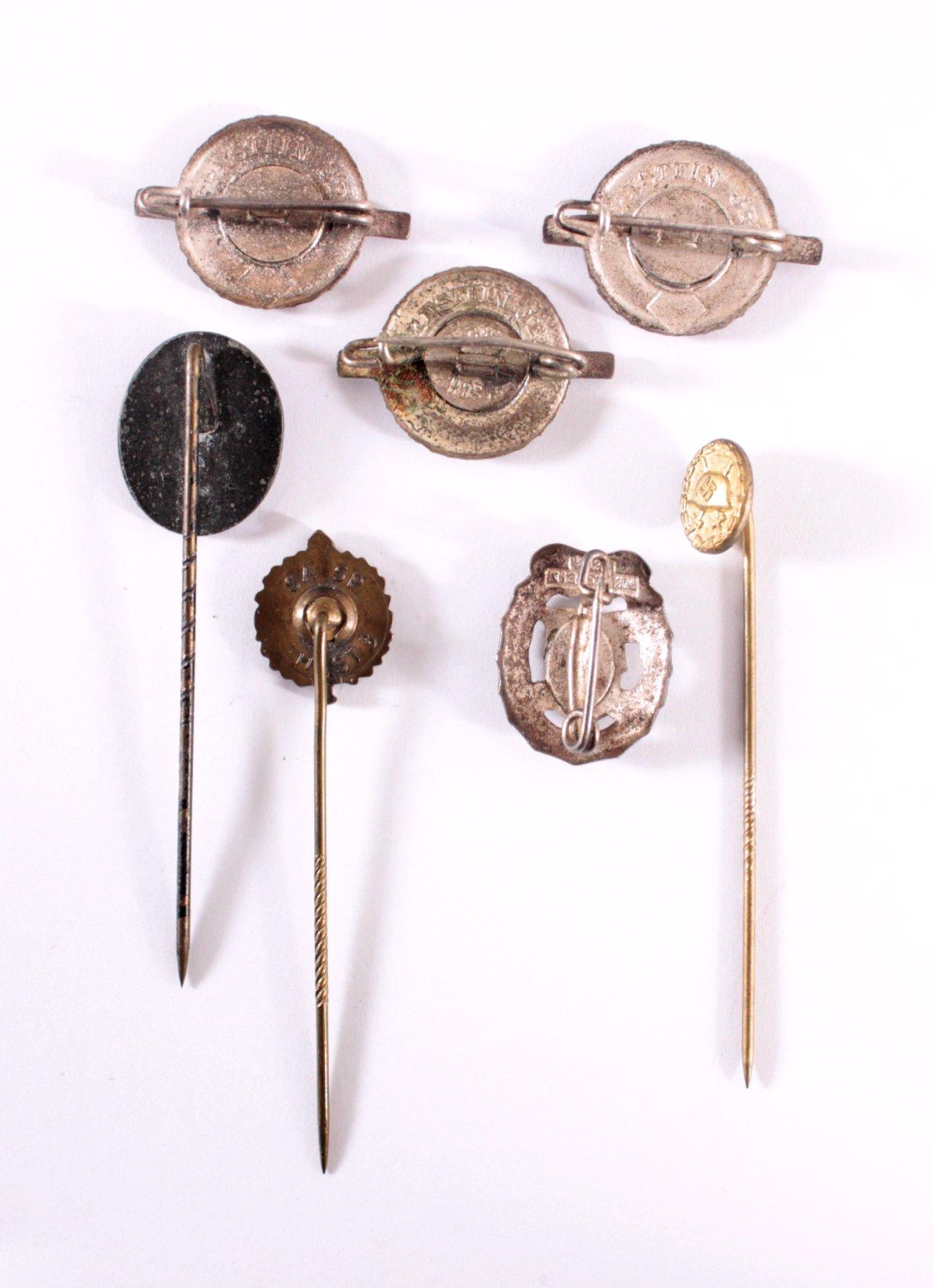 Miniaturabzeichen an Nadel-1