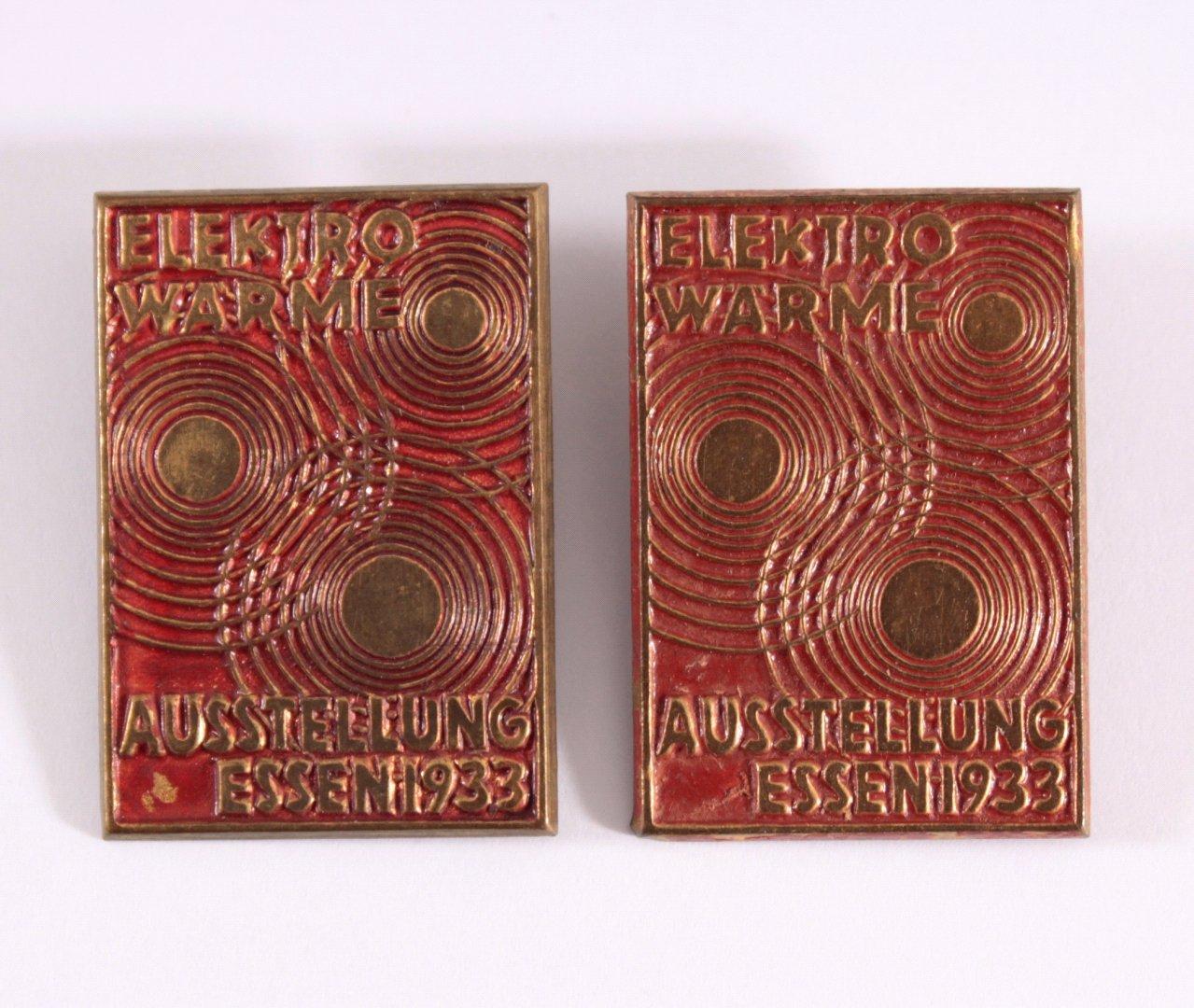 2 Abzeichen Elektro-Wärme Ausstellung Essen 1933