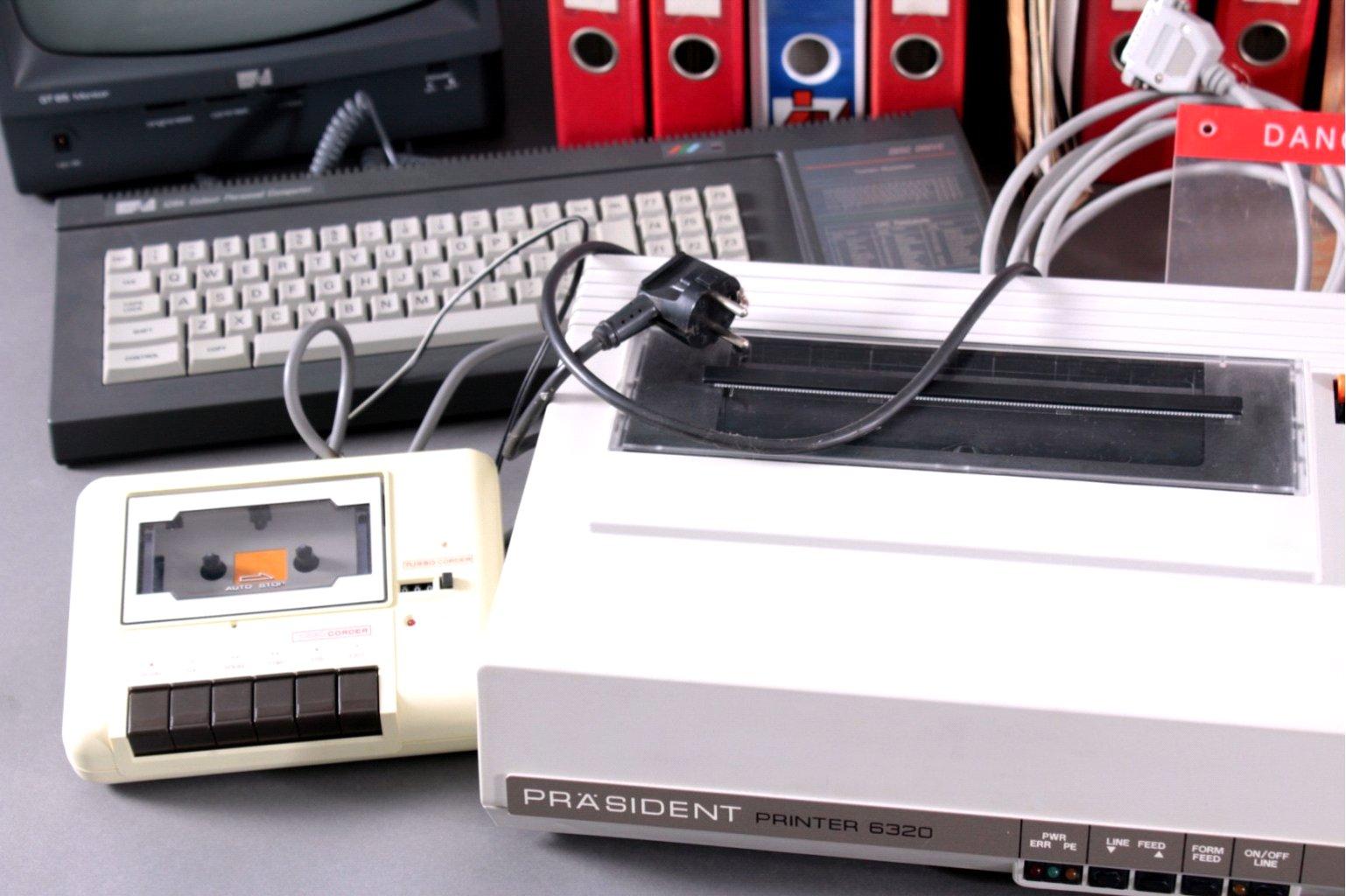 2 Computer mit reichlich Zubehör-1