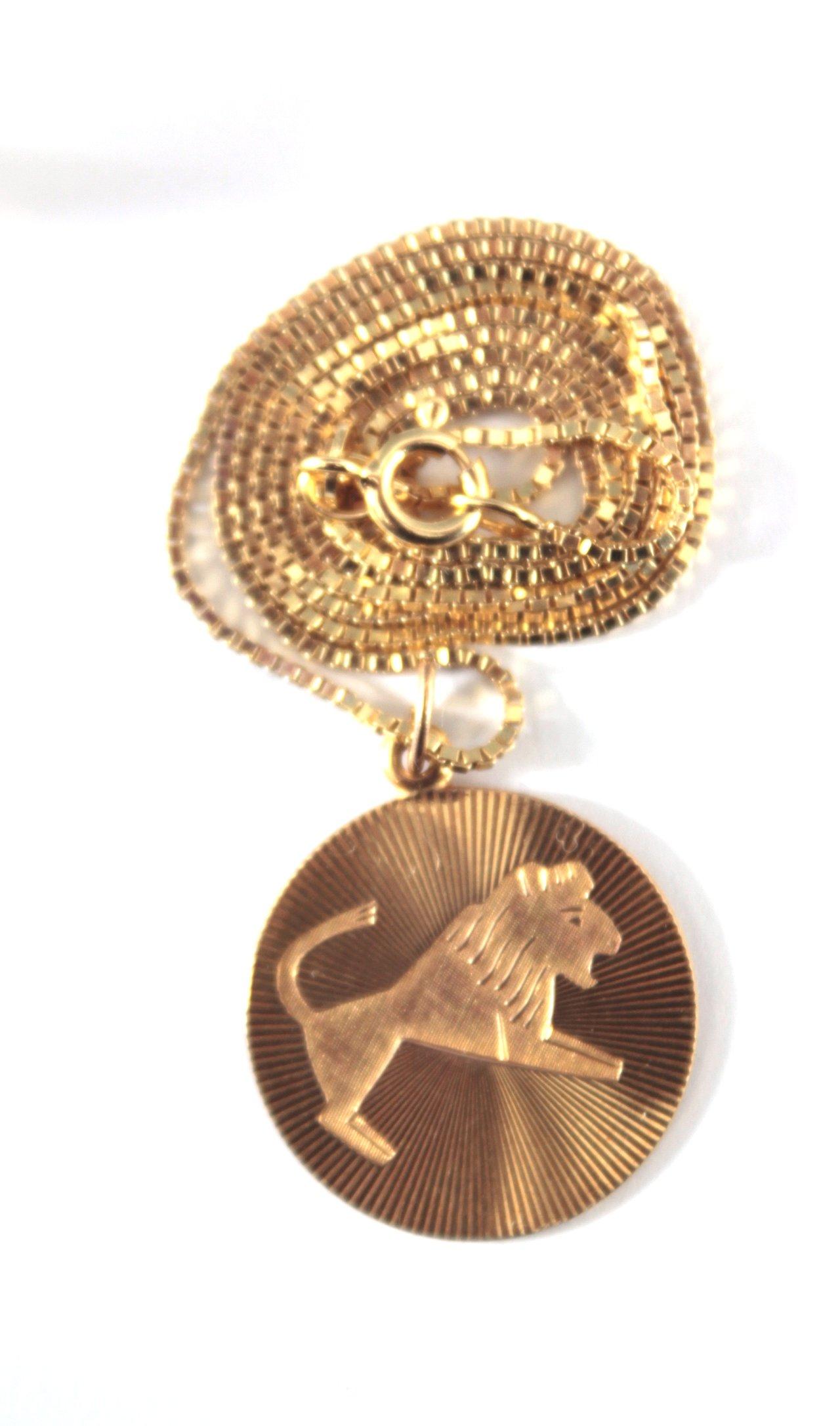 Halskette mit Sternzeichenanhänger und Ehering-2