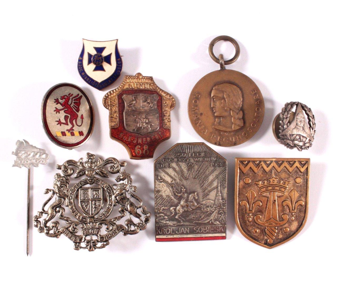 Konvolut Veranstaltungsabzeichen und 1 Medaille, Ausland