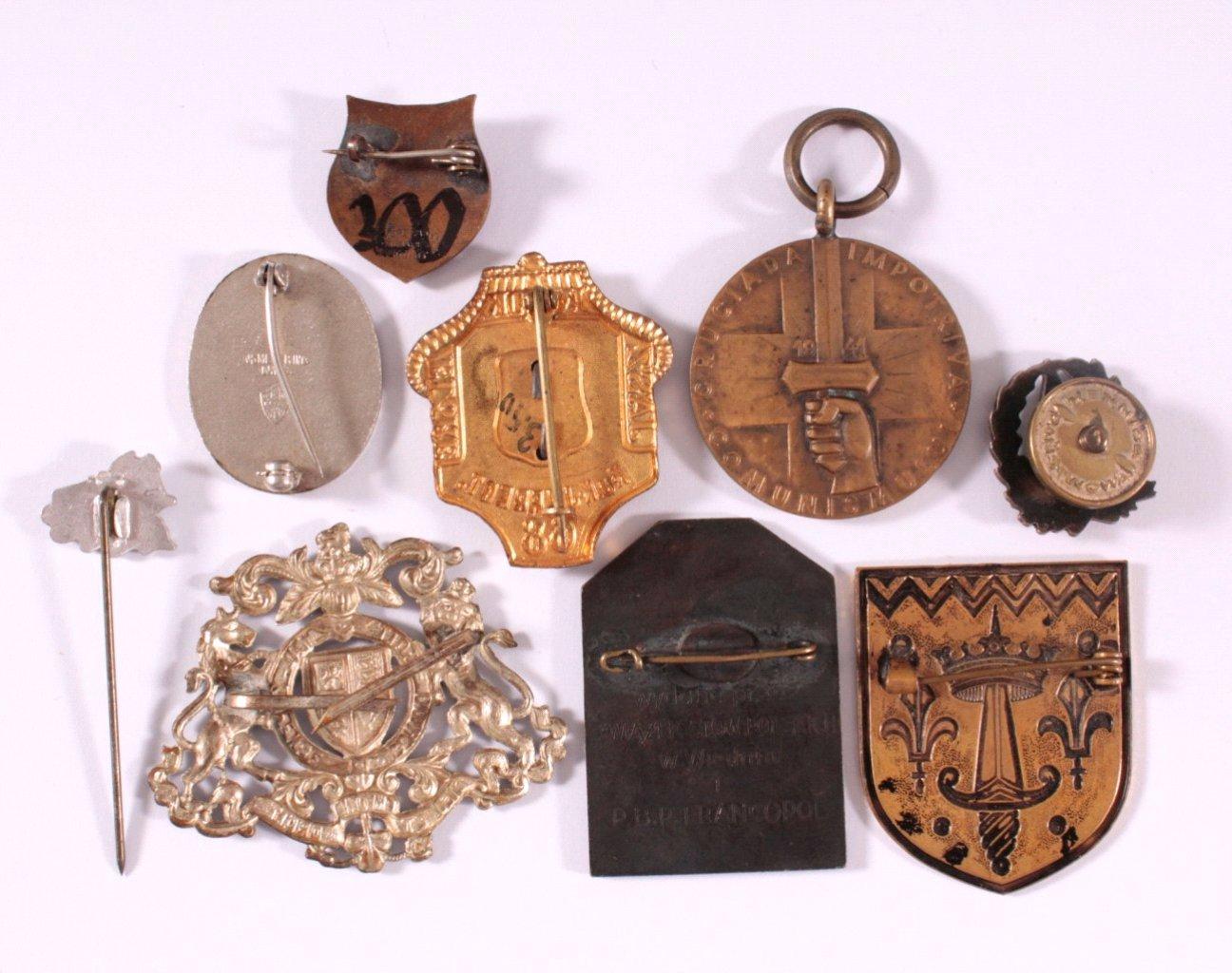 Konvolut Veranstaltungsabzeichen und 1 Medaille, Ausland-1