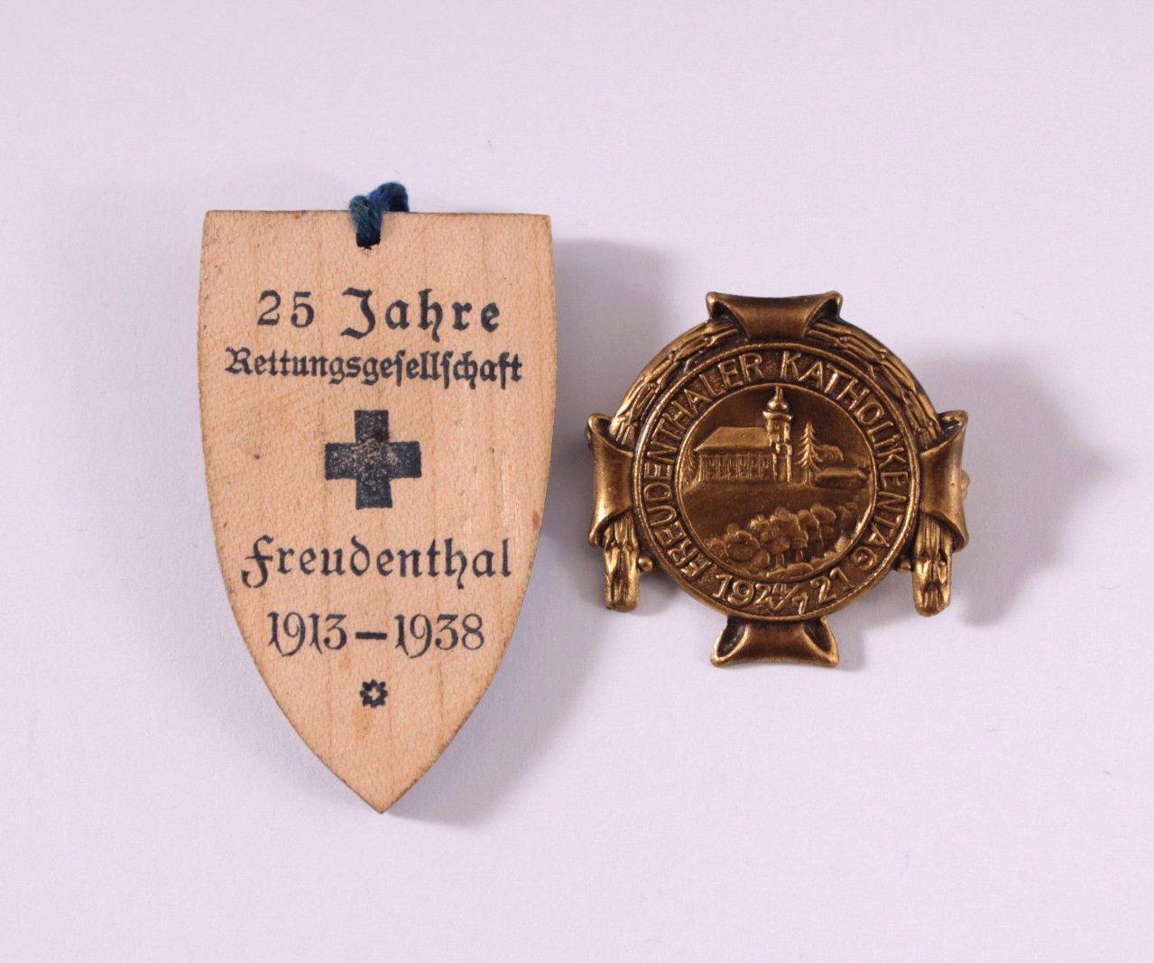 2 Veranstaltungsabzeichen Freudenthal