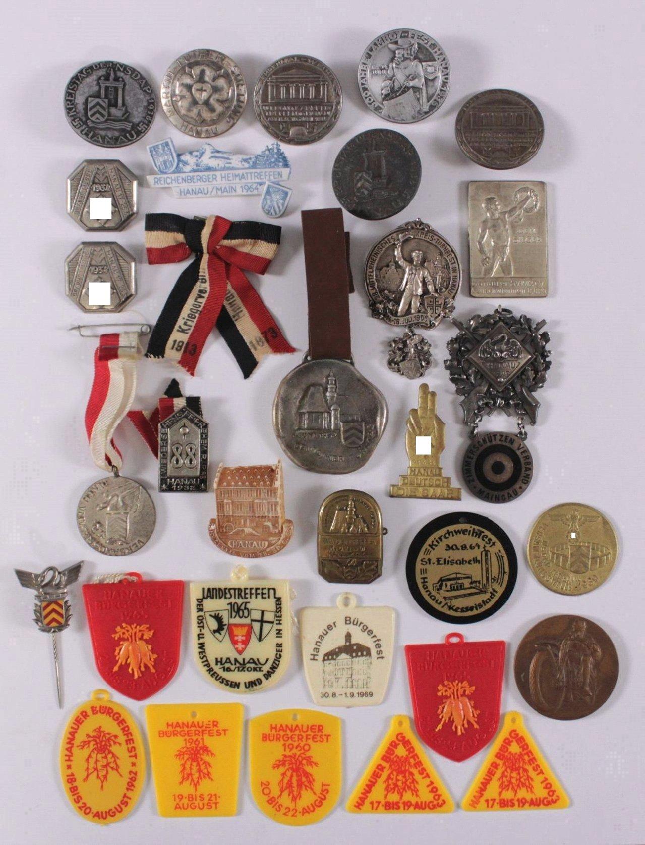 32 Abzeichen Hanau