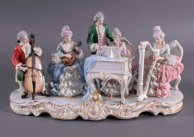 "Große Porzellanfigur ""Rokoko Quintett"""