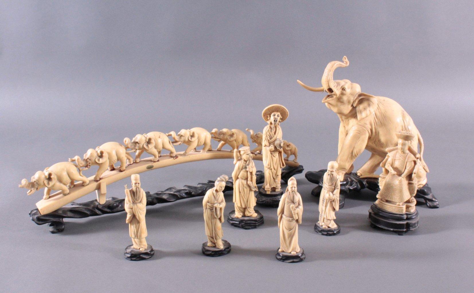 Sieben Asiatische Figuren in Elfenbeinoptik