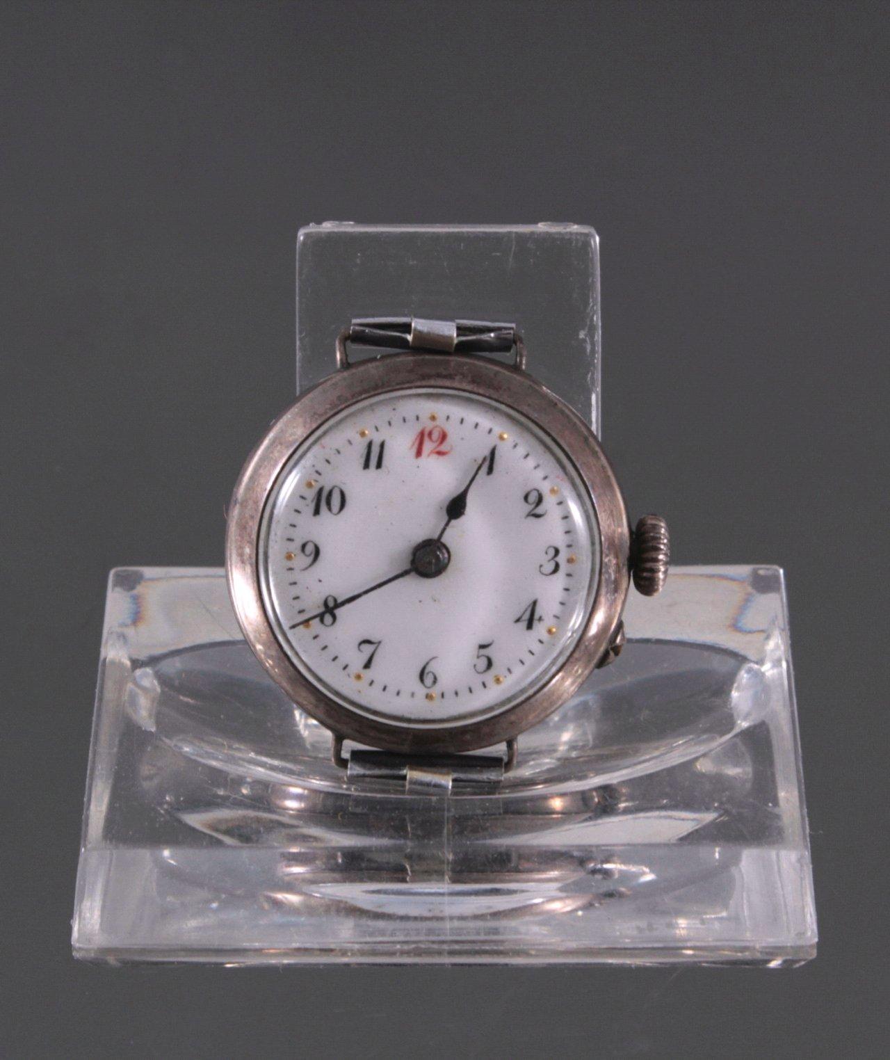 Damen Armbanduhr um 1900