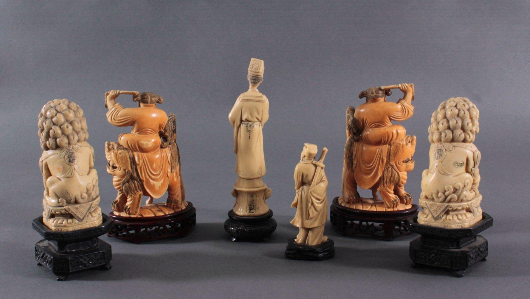 Fünf Asiatische Figuren in Elfenbeinoptik-1
