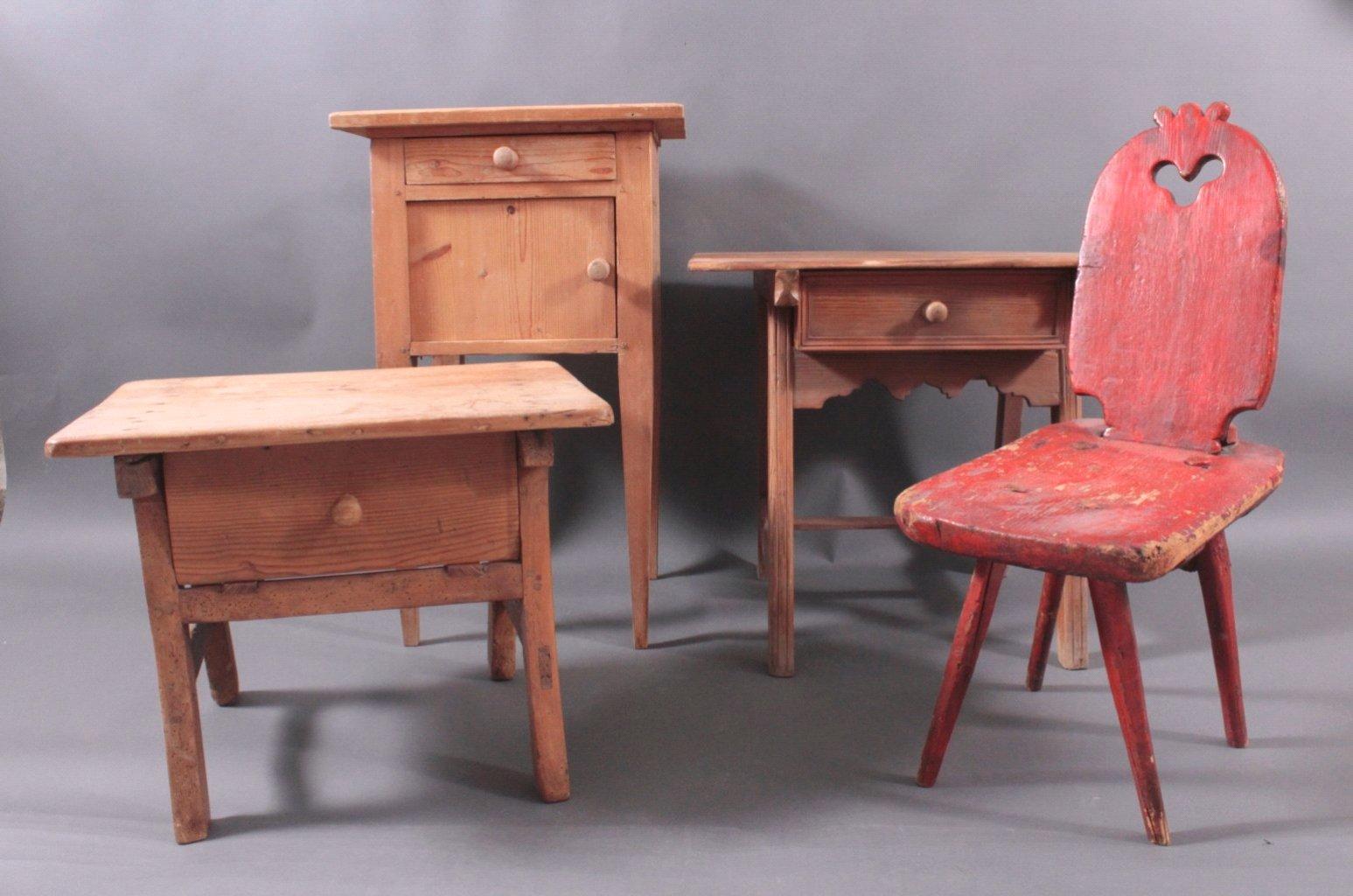 Konvolut antike Kleinmöbel aus Weichholz