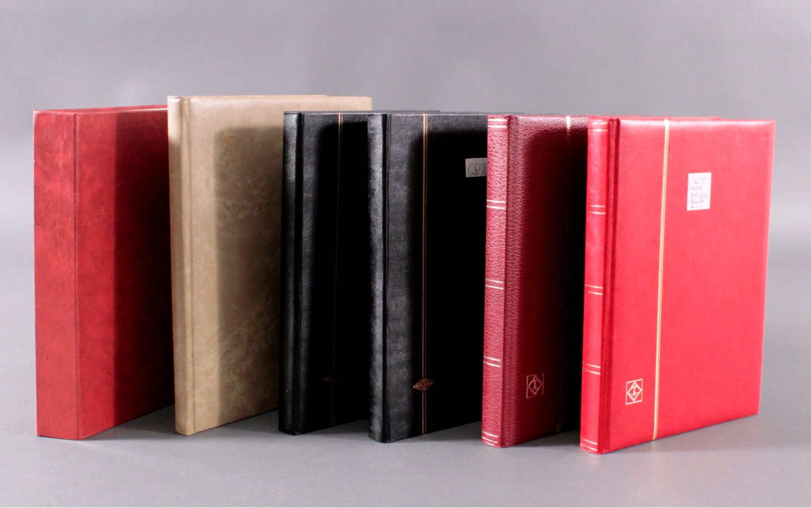 Sammlung CSSR in 6 Alben, dabei auch Bogen-5