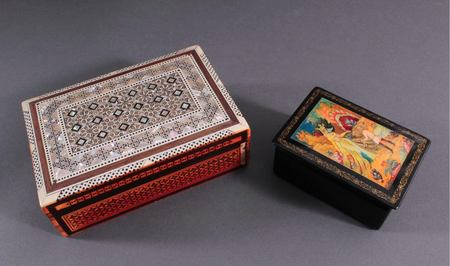 Zwei Asiatische Schatullen