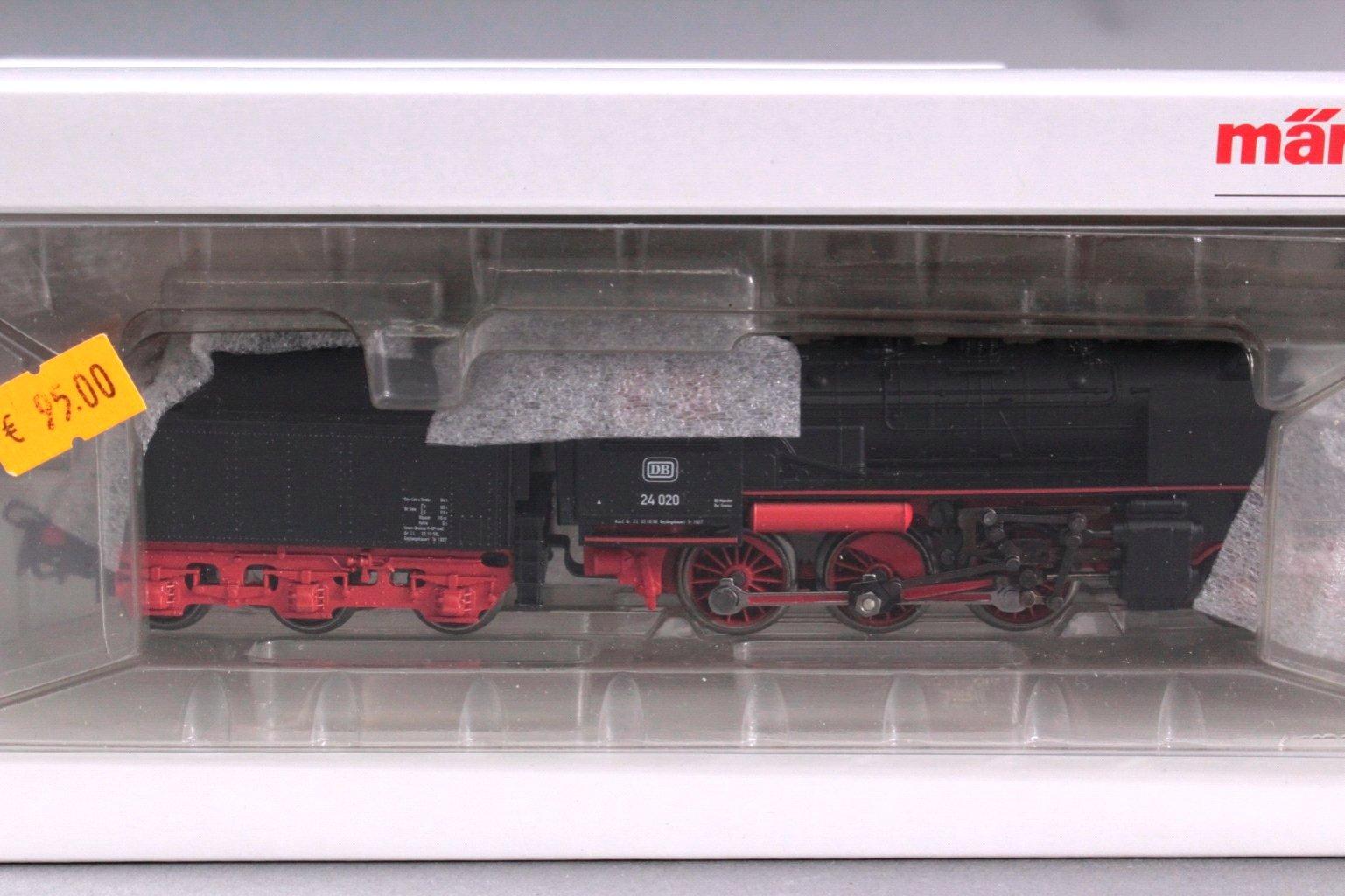 MÄRKLIN H0 30033 BR 24 Schlepptender Dampflok
