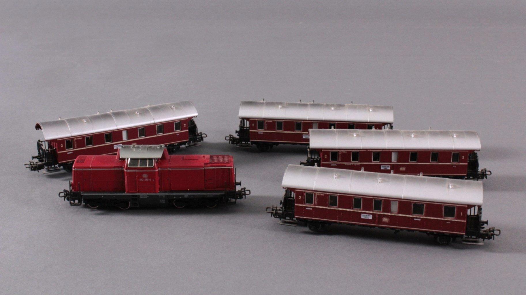 Märklin H0 3672 Diesel-Lok BR 212 215-8 der DB mit