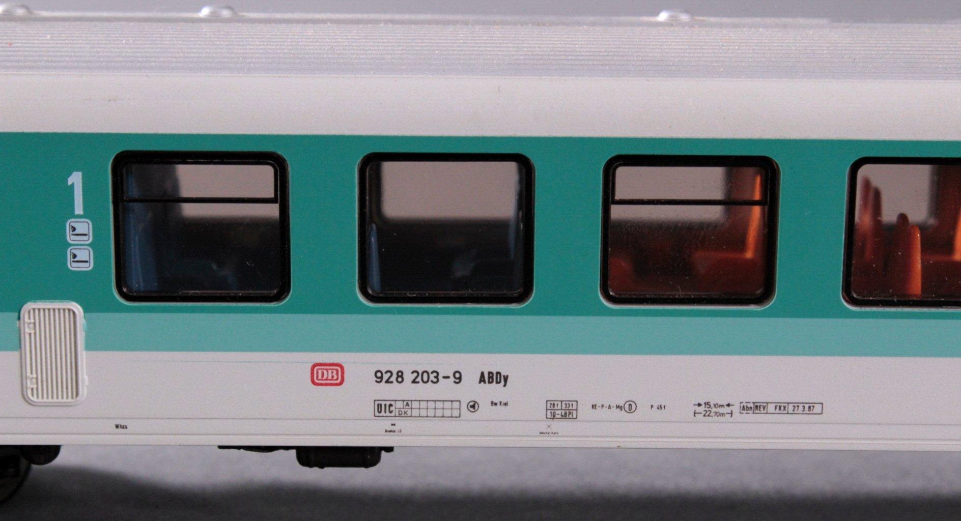 Märklin H0 3376 Diesel-Triebwagen BR 628 203-2 der DB-1