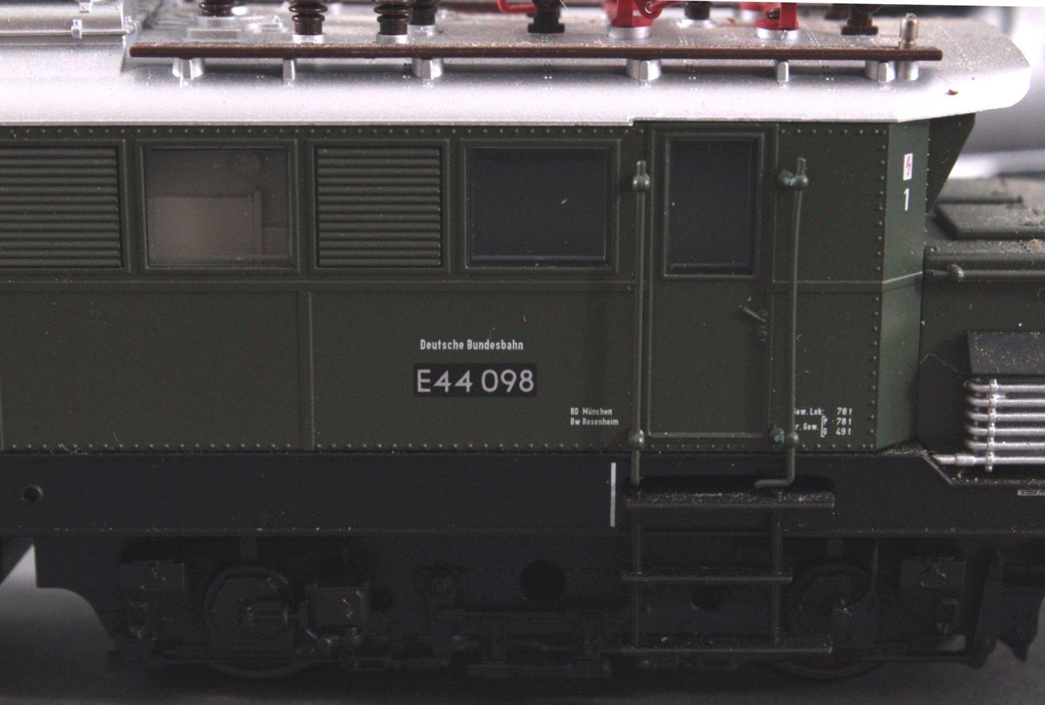 Märklin H0 37440 E-Lok BR 44098 der DB mit-2