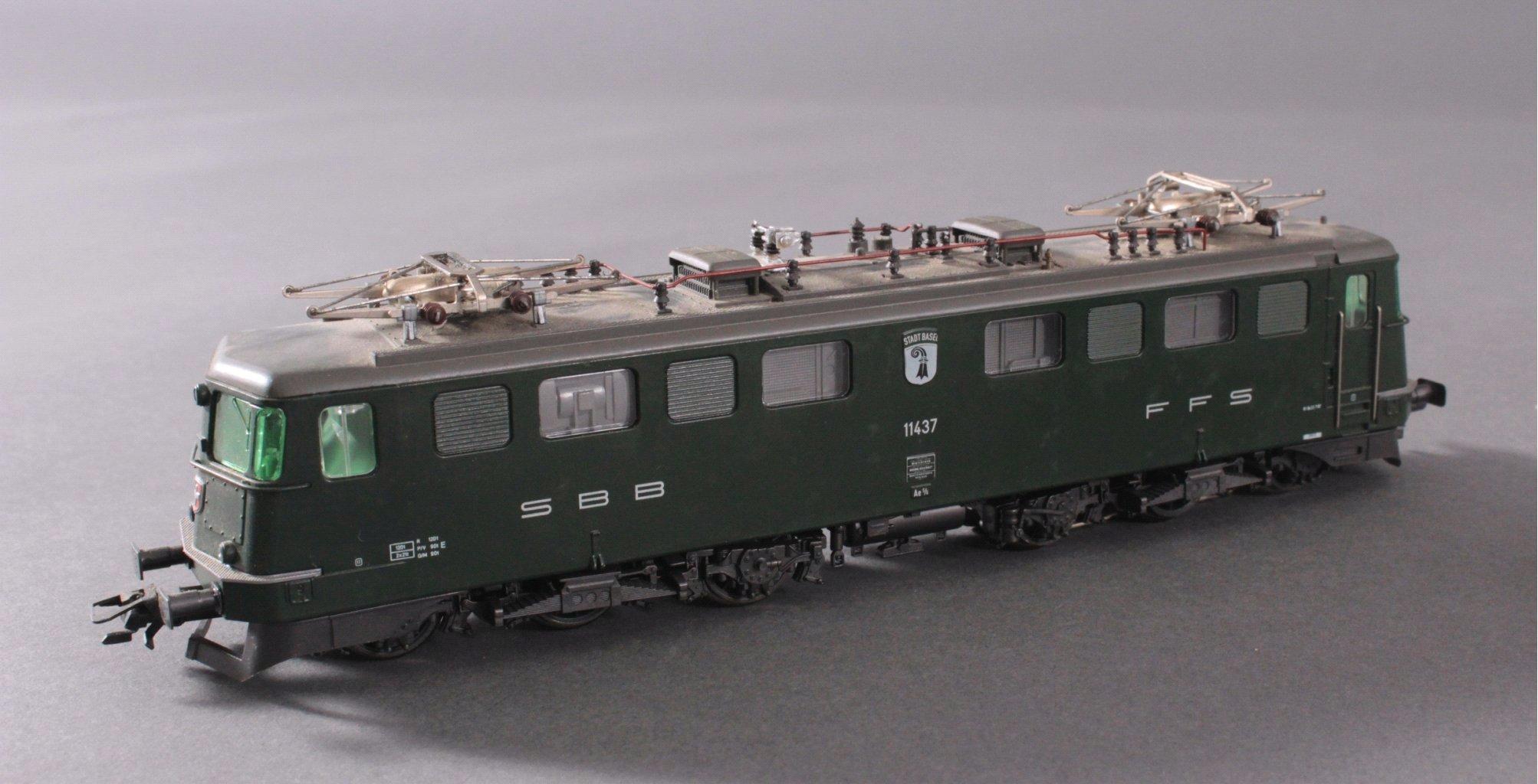 Märklin H0 3737 E-Lok BR 11437 Stadt Basel in grün mit-1