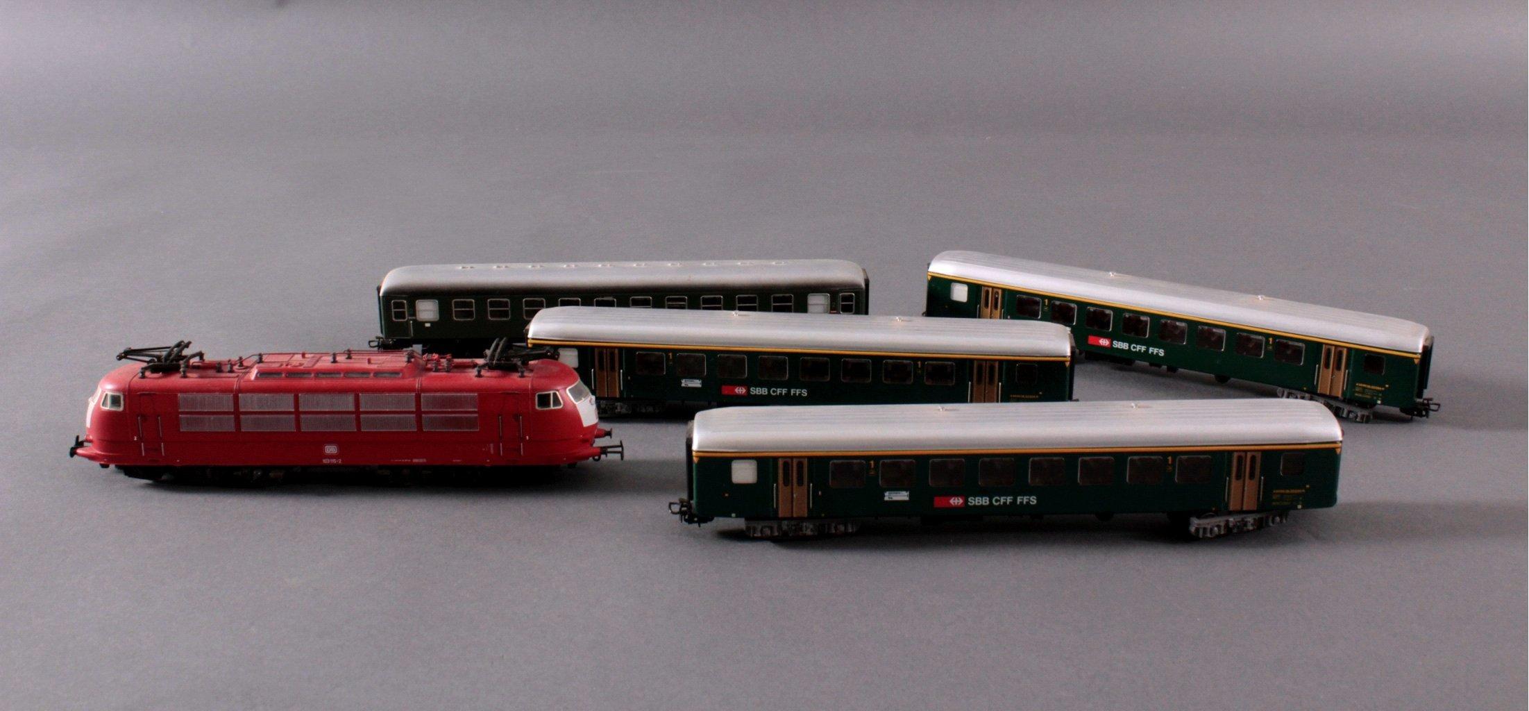 Märklin H0 3357 E-Lok Baureihe 103 115-2 DB in rot mit