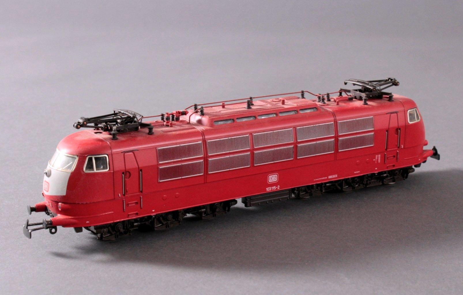 Märklin H0 3357 E-Lok Baureihe 103 115-2 DB in rot mit-1
