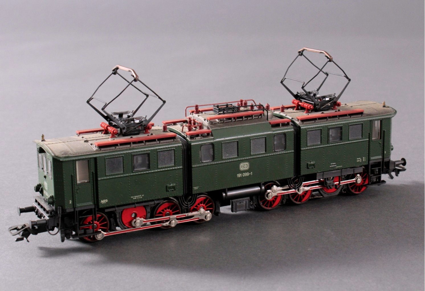 Märklin H0 3629 E-Lok BR 191 033-7 DB in grün mit-1