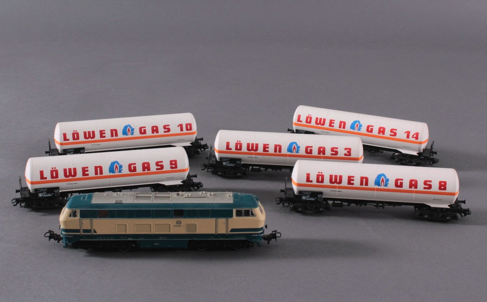 Märklin H0 3074 Diesel-Lok BR 216 090-1 DB in beige/blau mit