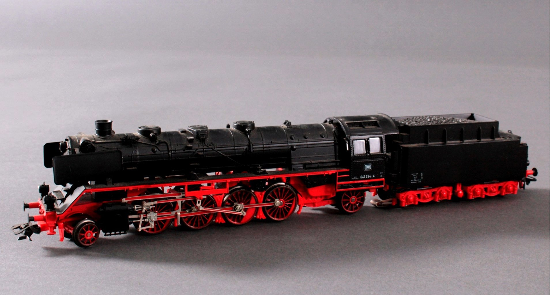 Märklin BR 041334-4 Dampf-Lok DB in schwarz mit-1