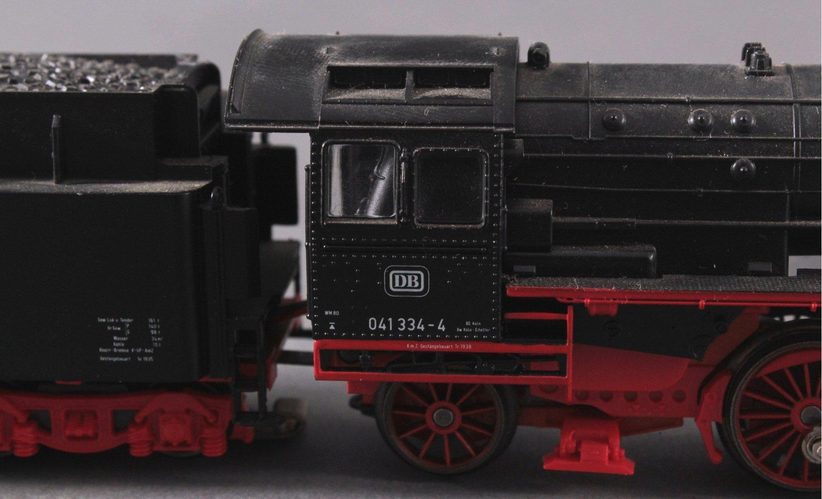 Märklin BR 041334-4 Dampf-Lok DB in schwarz mit-2