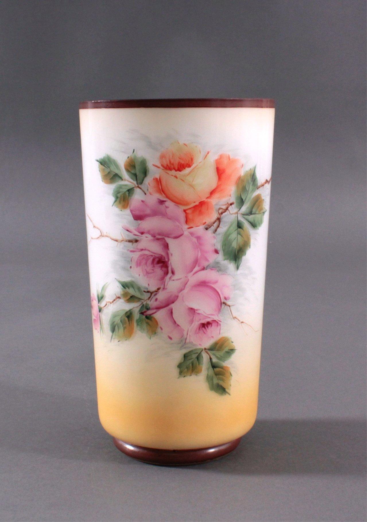 Zylindrische Vase auf rundem Standring um 1900