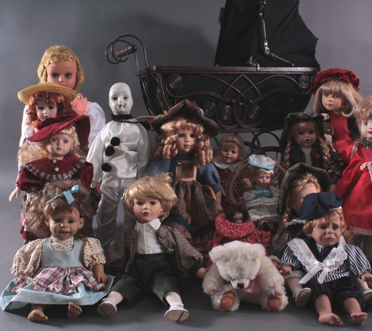 Großes Konvolut Puppen mit Kinderwagen, ca. 22 Stück
