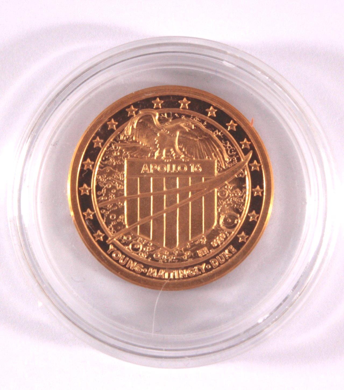 Goldmedaille Apollo 16