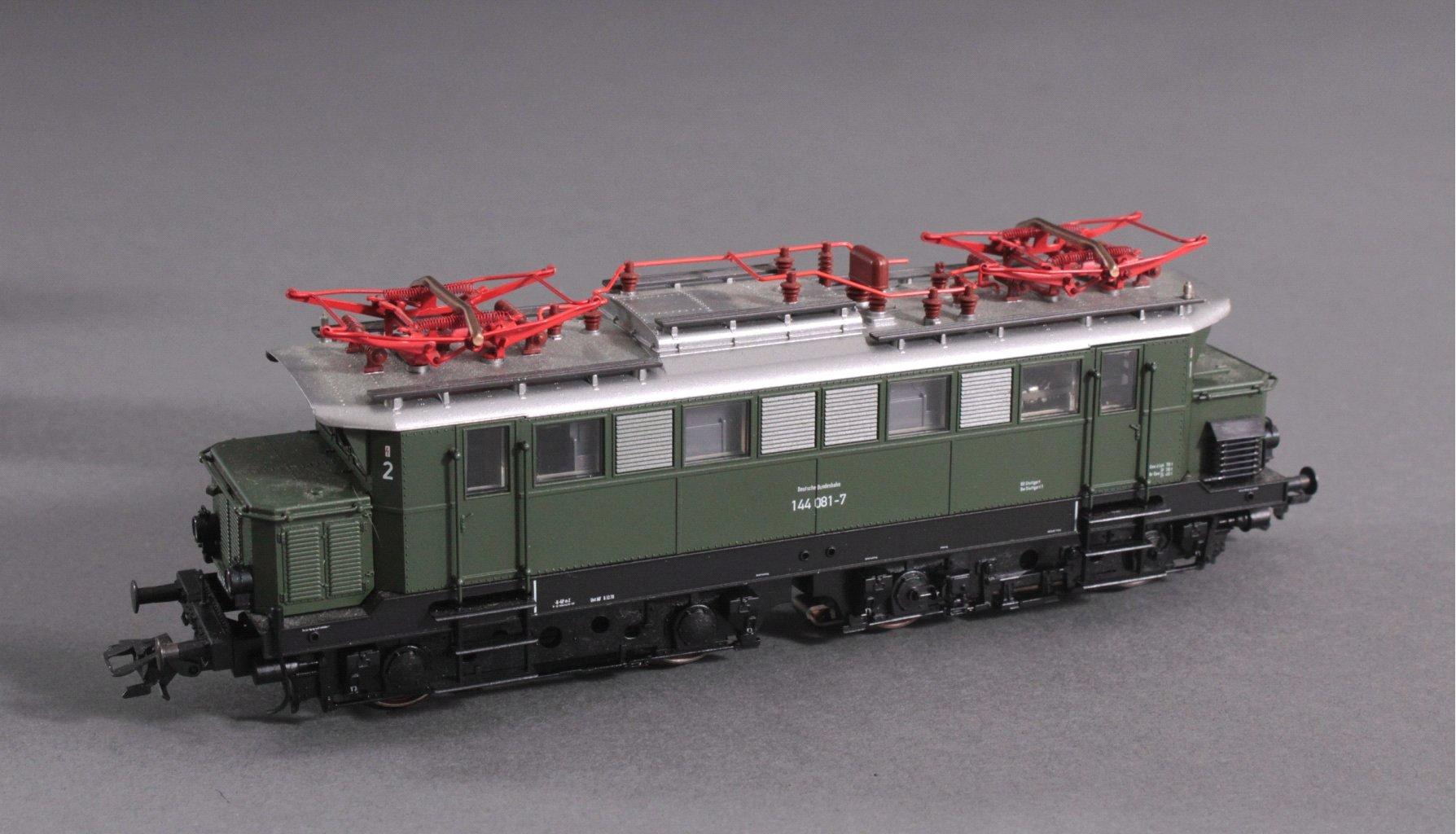 Fleischmann H0 144 081-7 E-Lok in grün-1