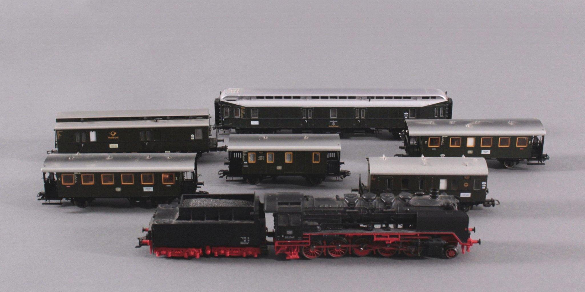 Märklin H0 Dampflok 502362 in schwarz mit Tender