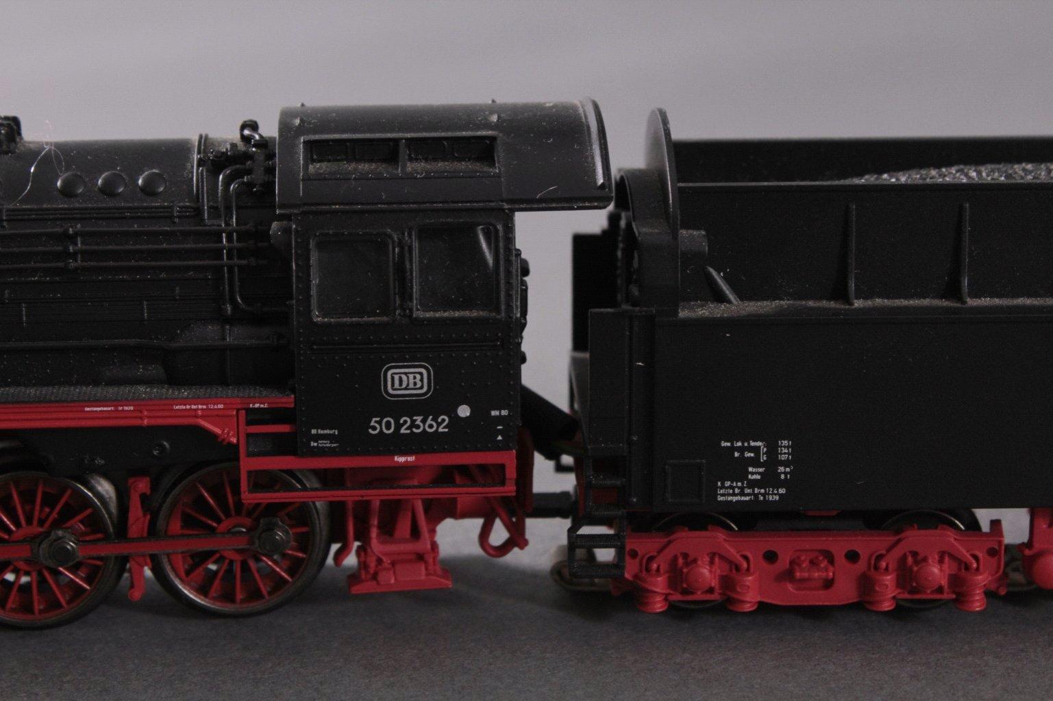 Märklin H0 Dampflok 502362 in schwarz mit Tender-2
