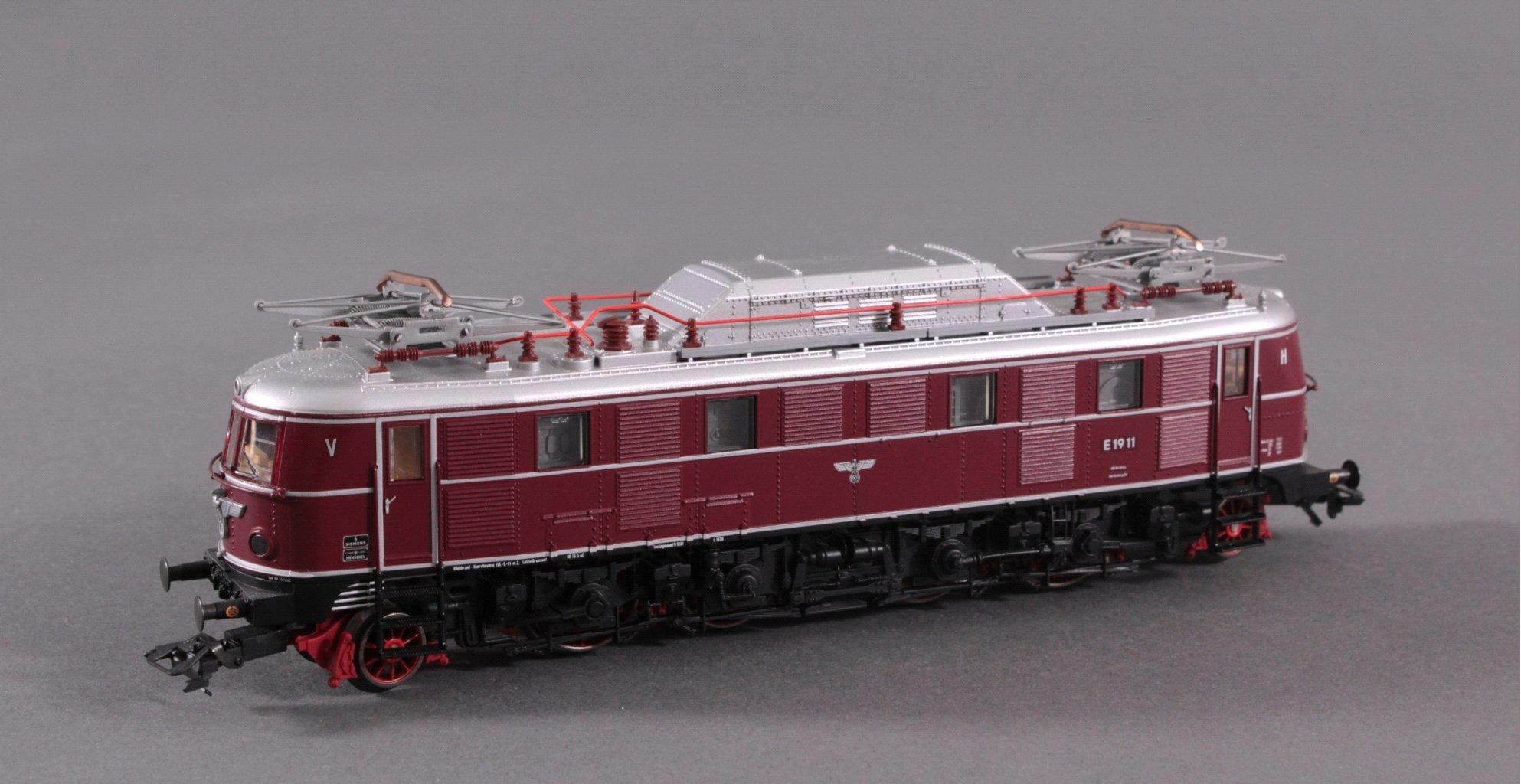 Märklin H0 E-Lok 1911 in rot
