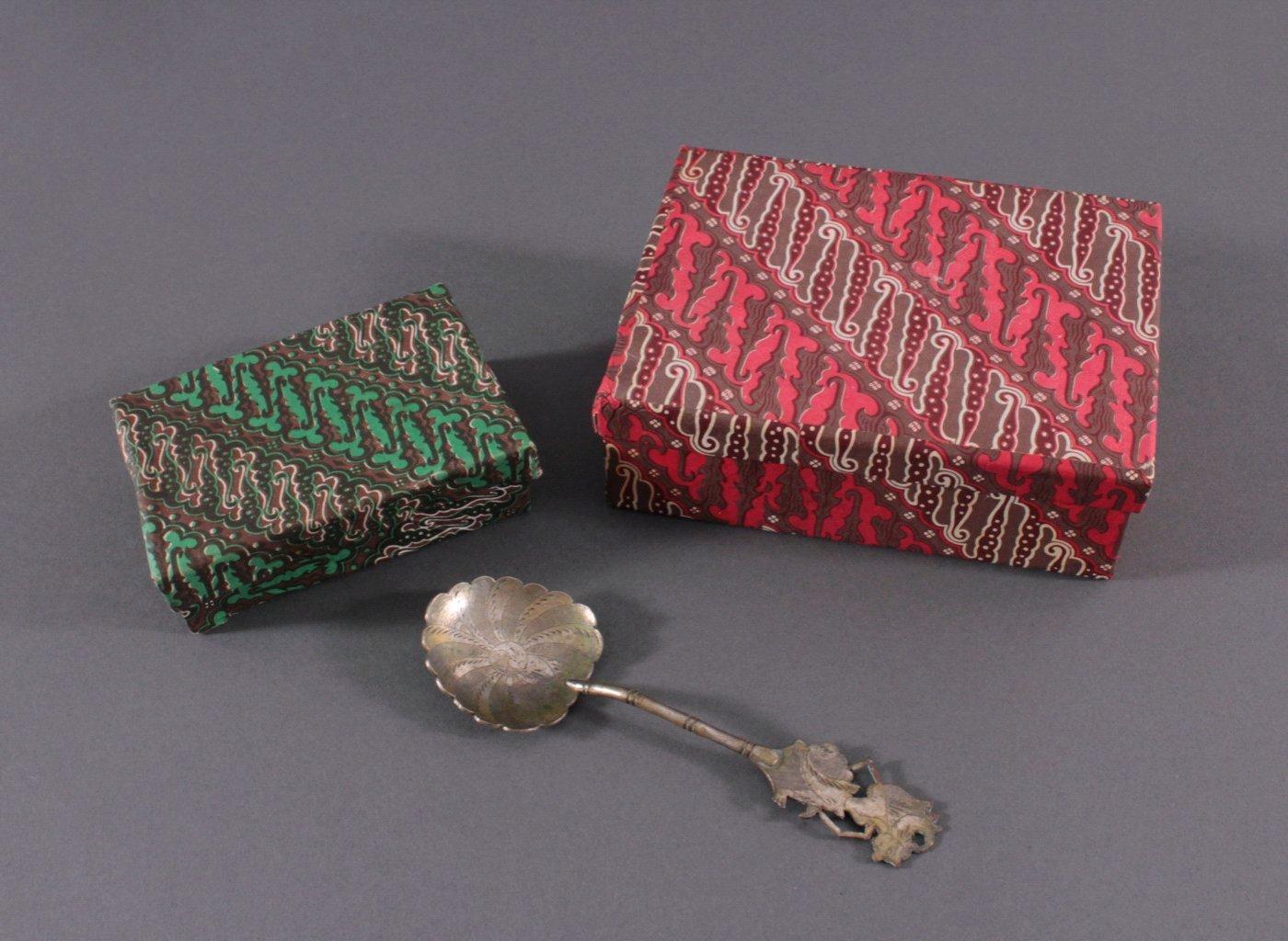 800er indonesisches Silber. Schatten Merionette Motiv-5