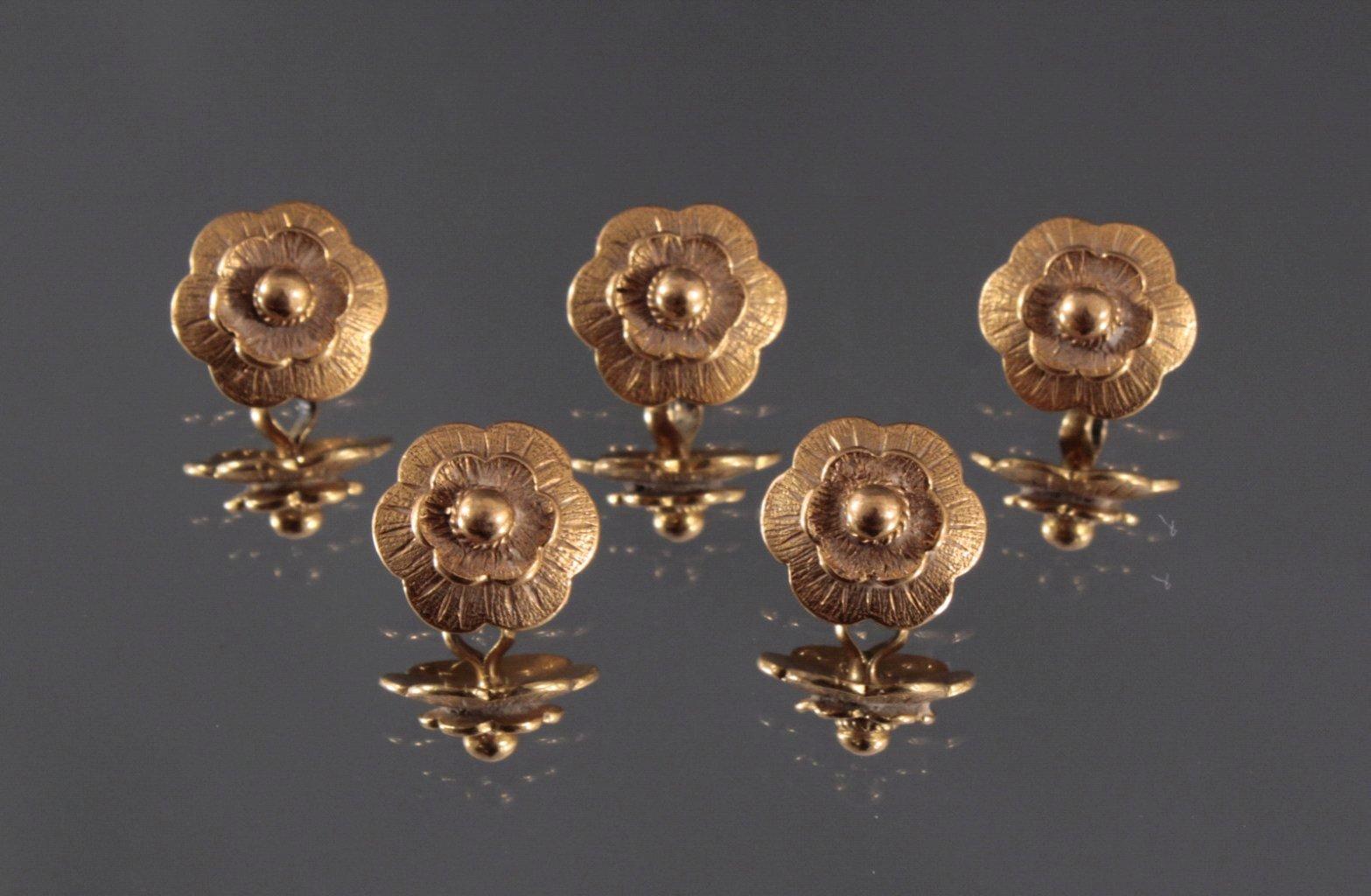 5 Knöpfe in Blütenform aus 750/000 GG