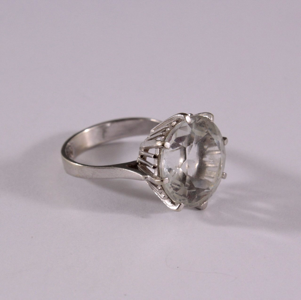 Damenring mit Kristall, 585/000 WG