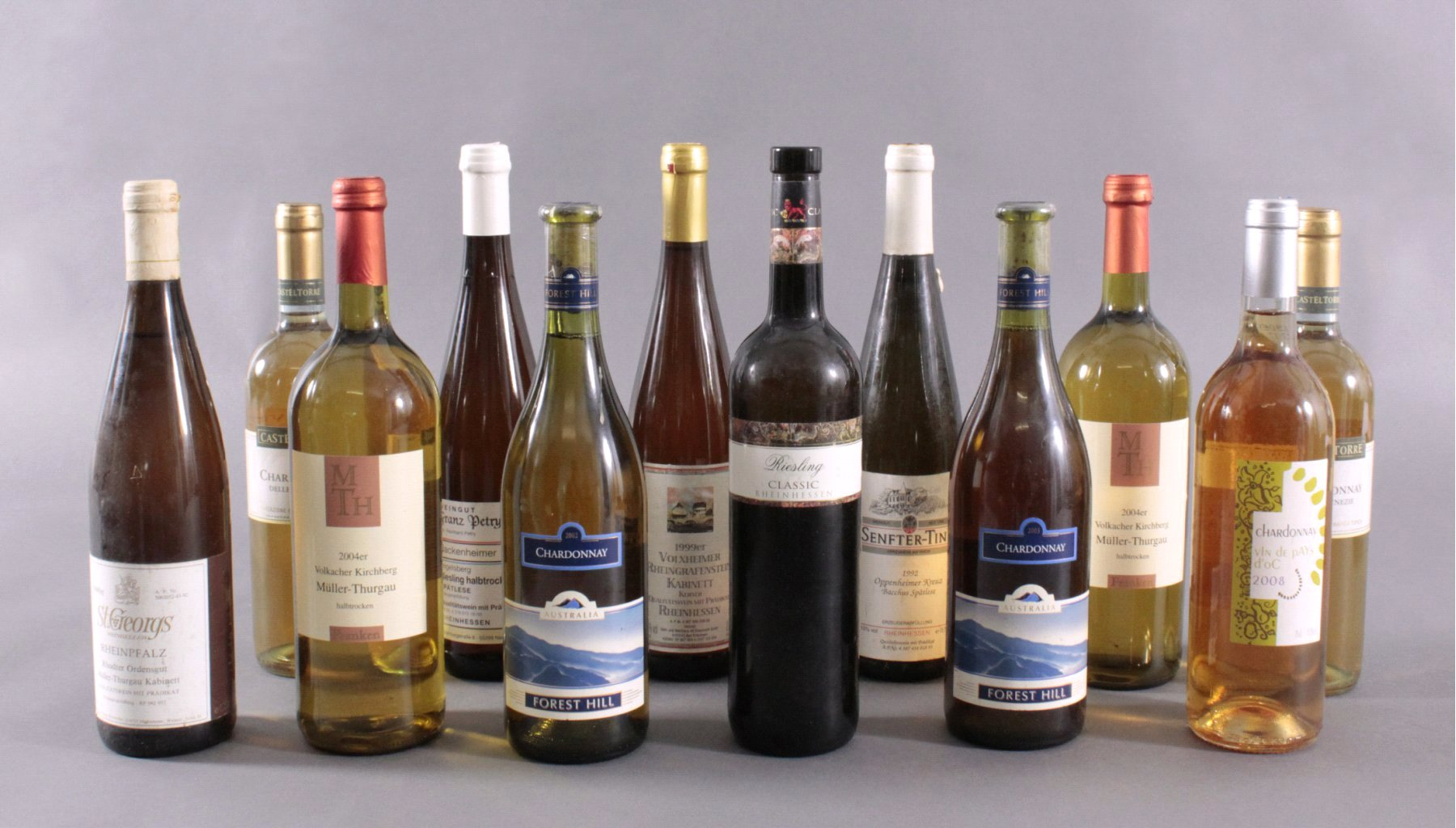 12 Flaschen Weißweine