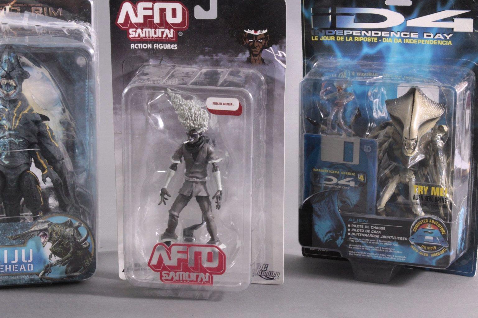 Konvolut Action Figuren und Aliens 5 Stück-2