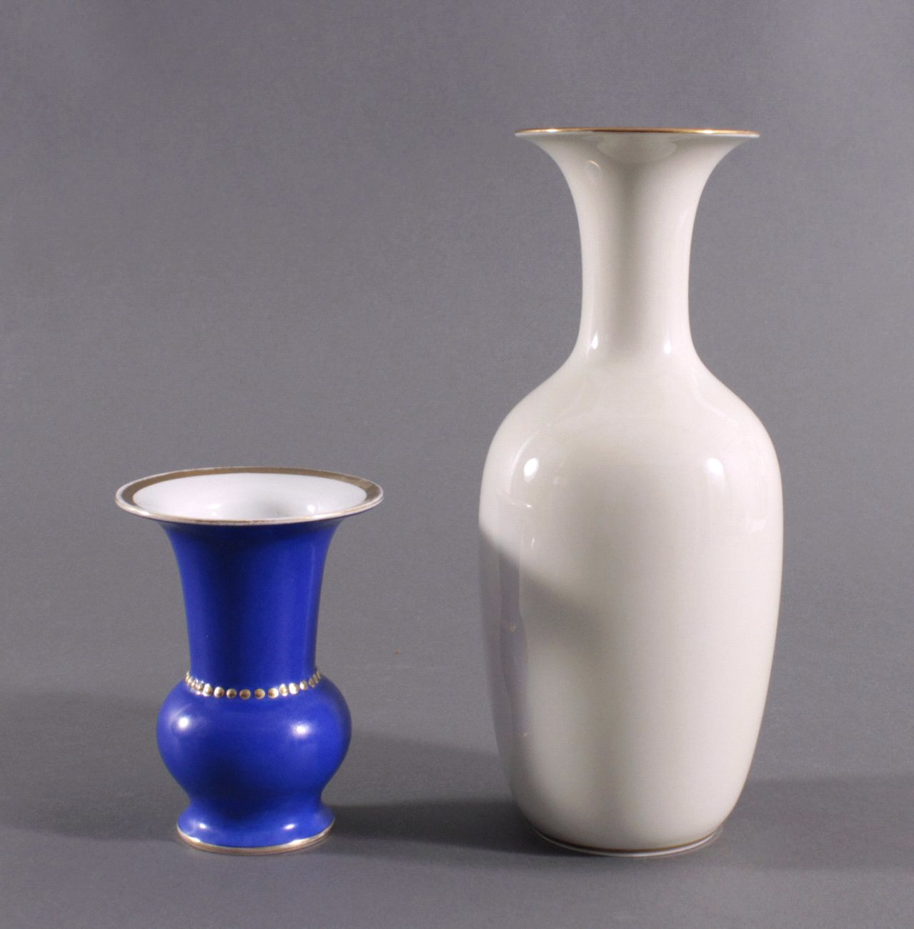 Zwei Porzellan Vasen. Hutschenreuther und Fürstenberg