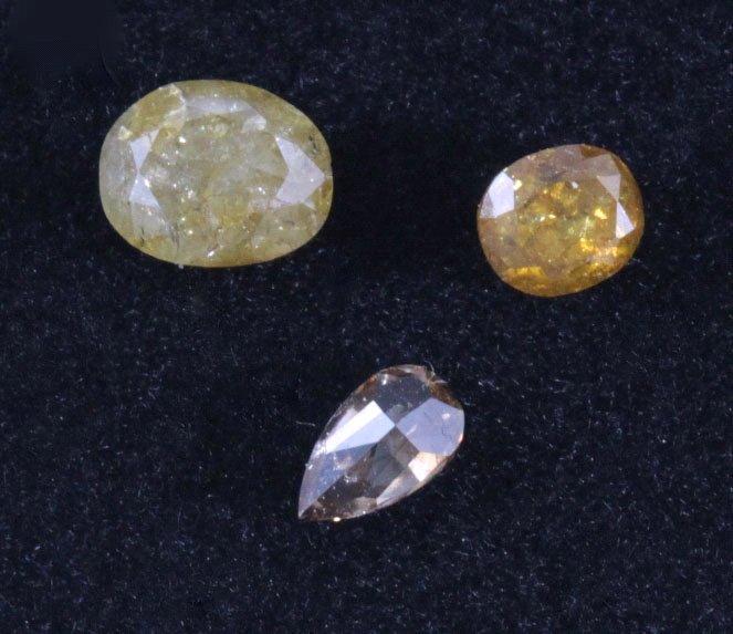 Drei Diamanten von insgesamt 0,93 Karat